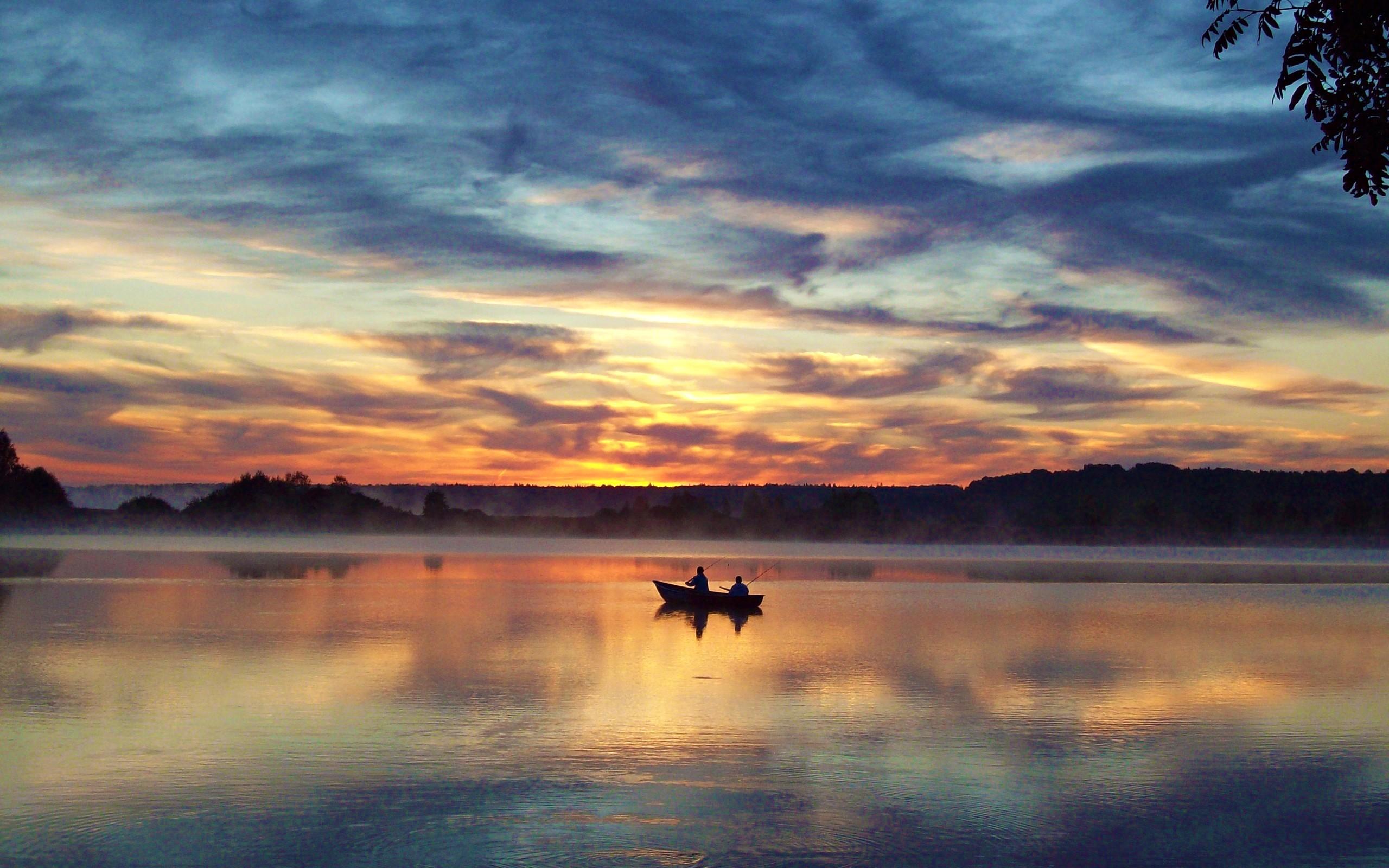 Sky: Evening Sky Sunlight Peaceful Lake Boat Sunset Colors Splendor ...