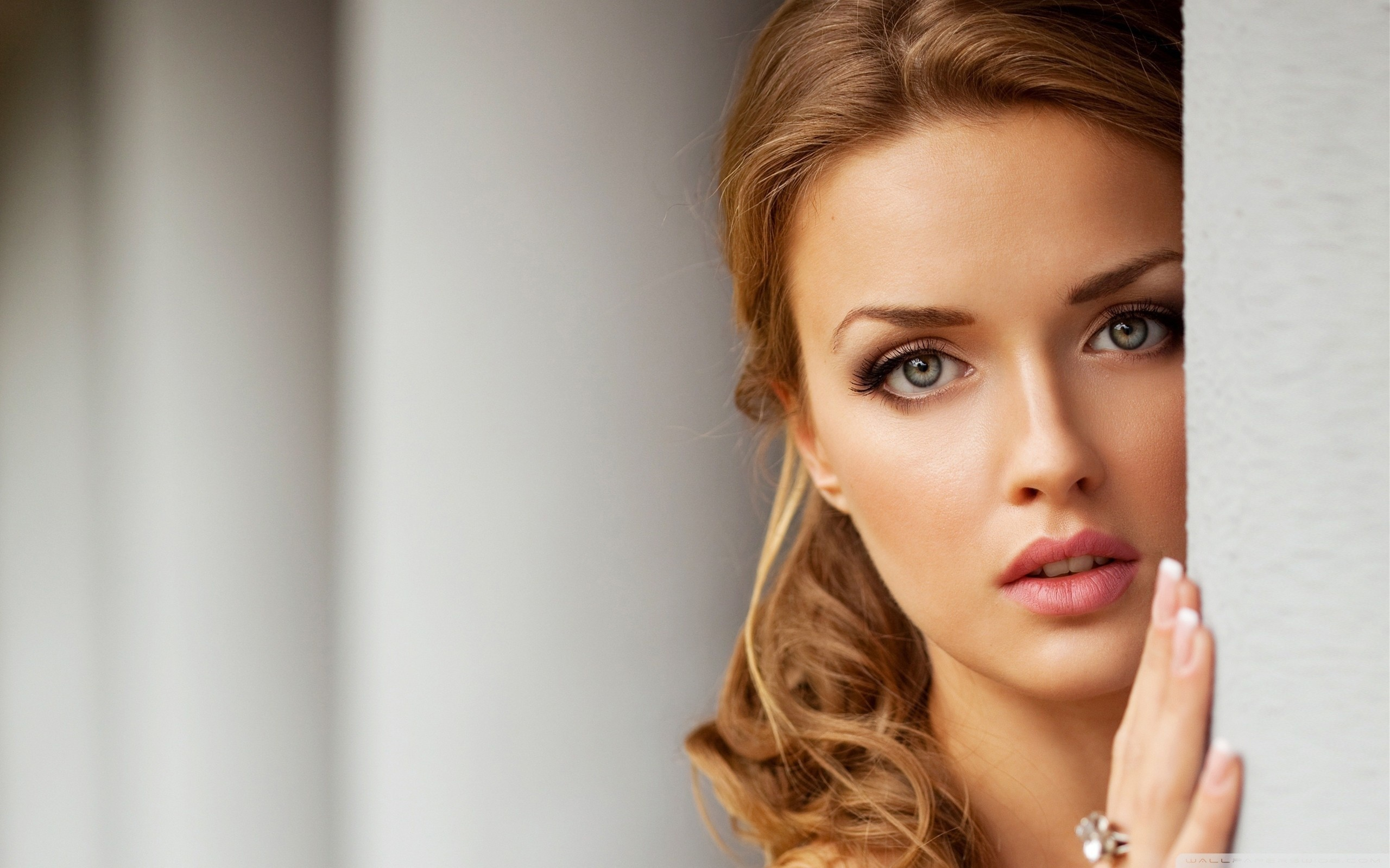 Beautiful woman photo