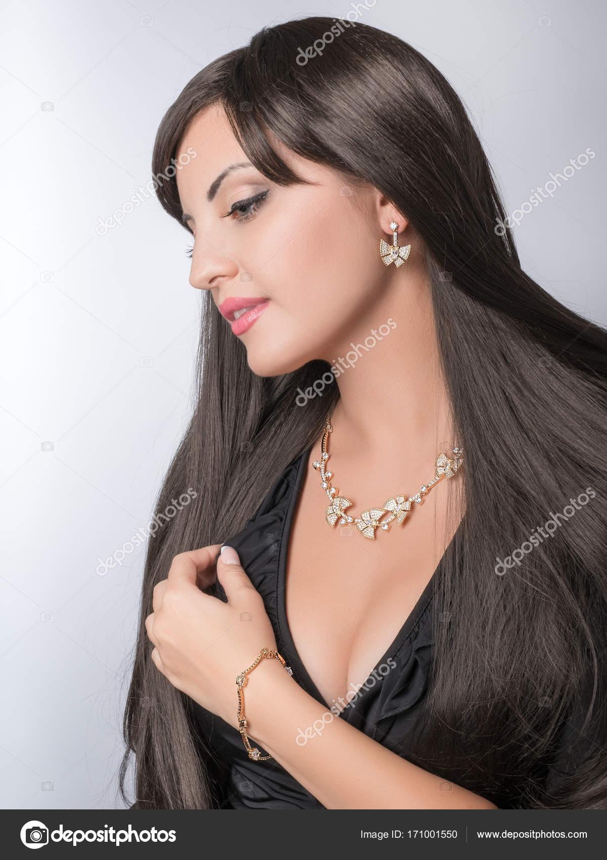 Beautiful Lady with Jewelry Set, Necklace, Earrings, Bracelet ...