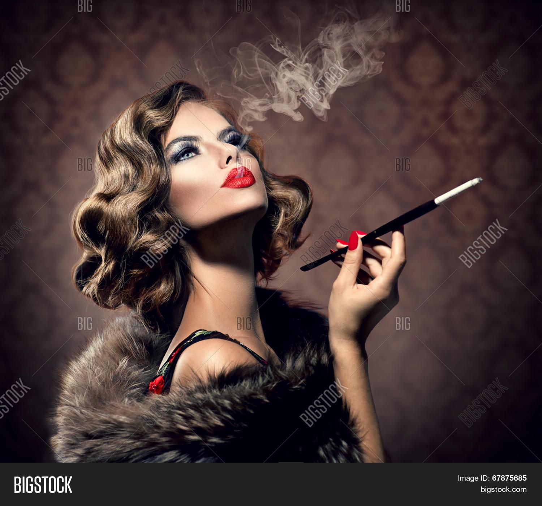 Beauty Retro Woman Image & Photo (Free Trial)   Bigstock