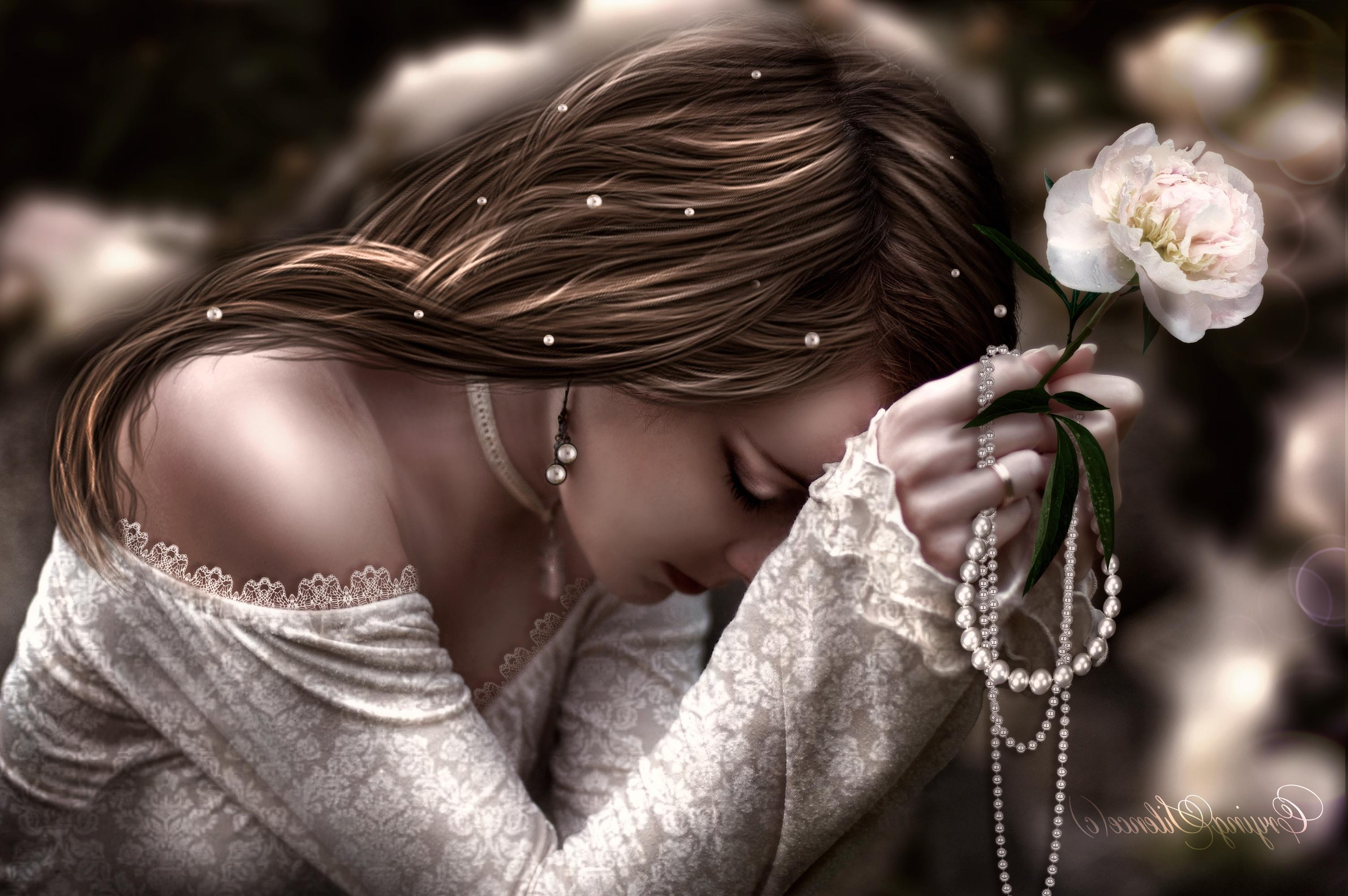 Sad Beautiful Lady Wallpapers HD / Desktop and Mobile Backgrounds