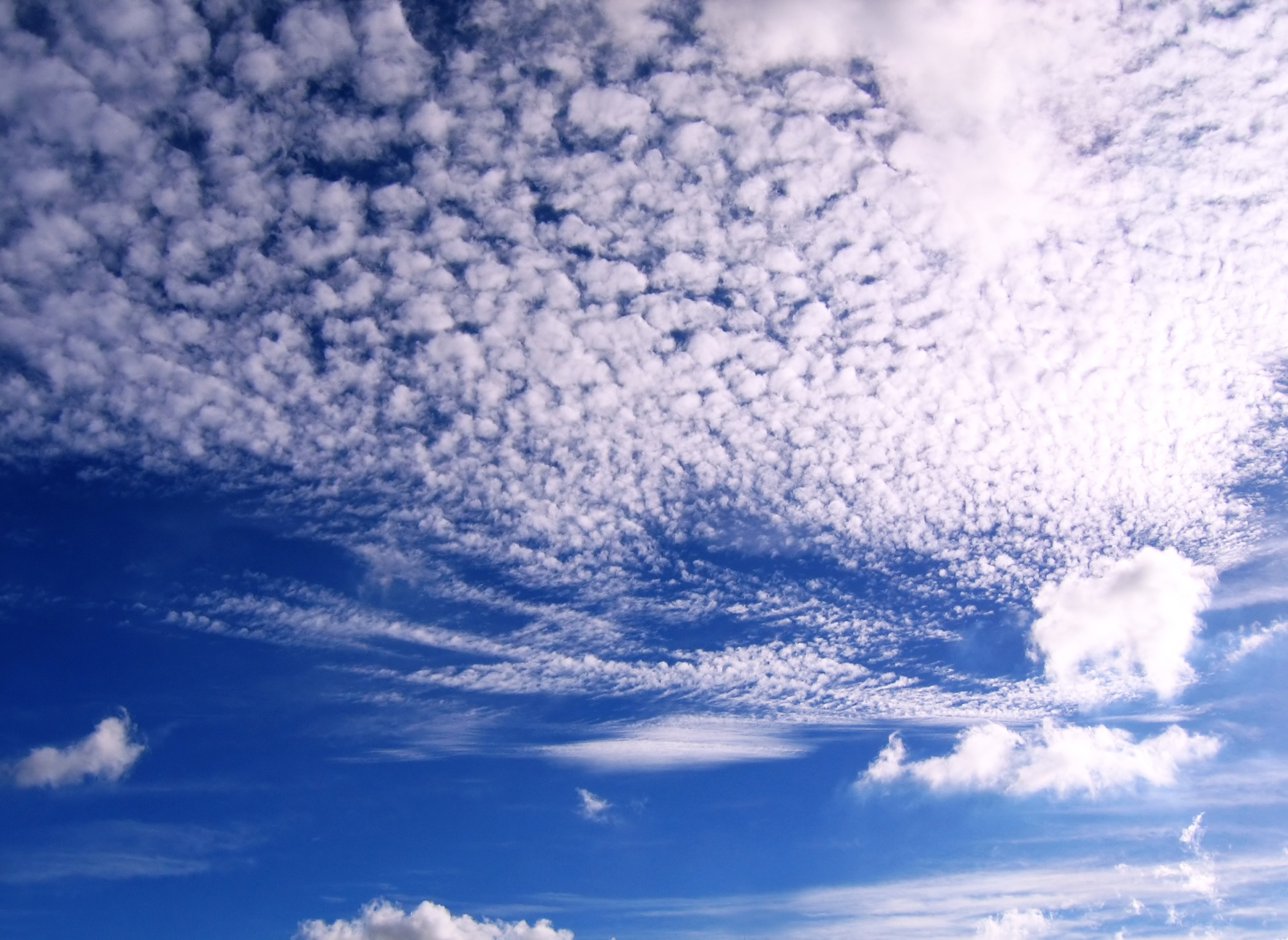 Beautiful sky and cloud formation photo