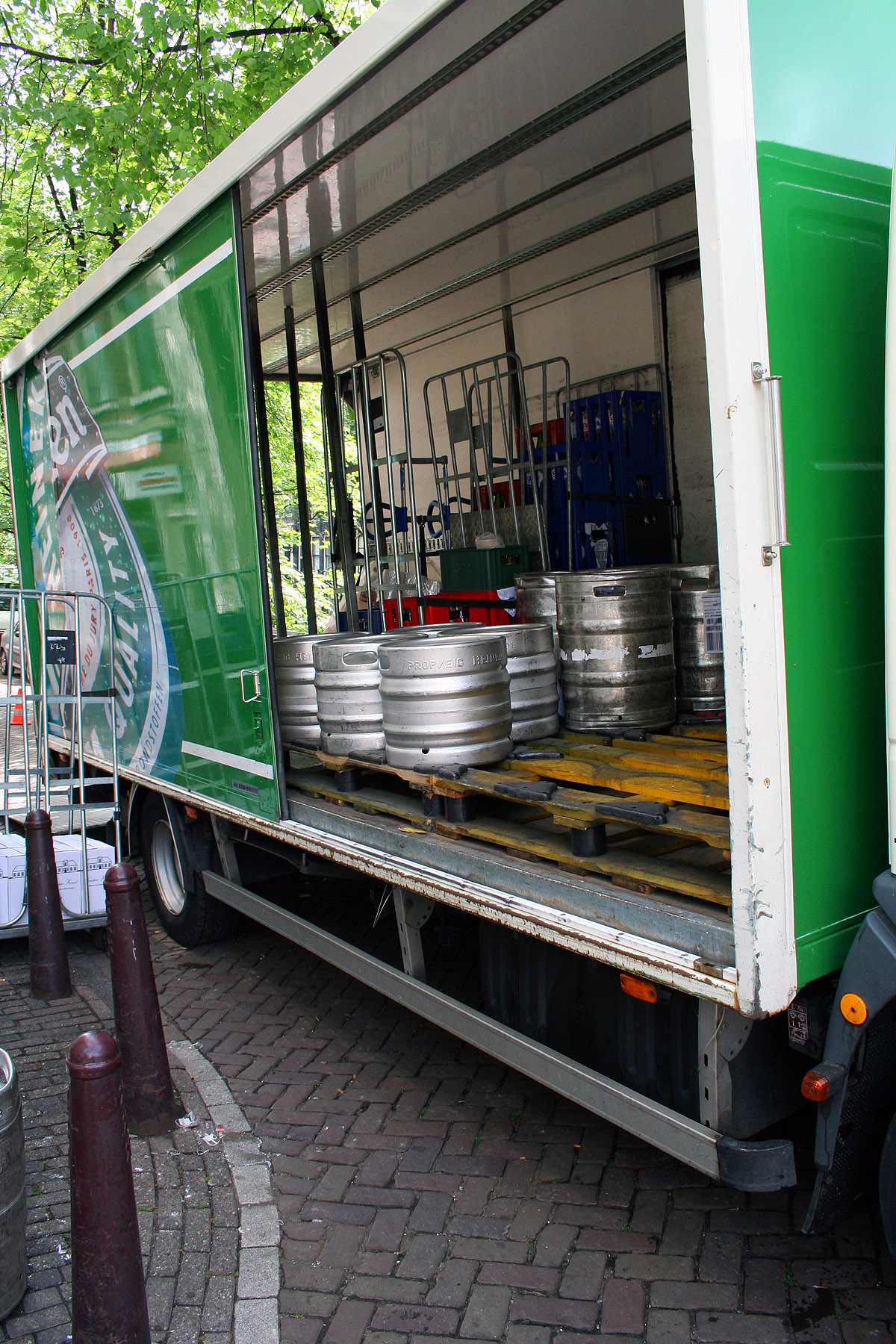 Beer in trailer, Beer, Containers, Deliver, Service, HQ Photo