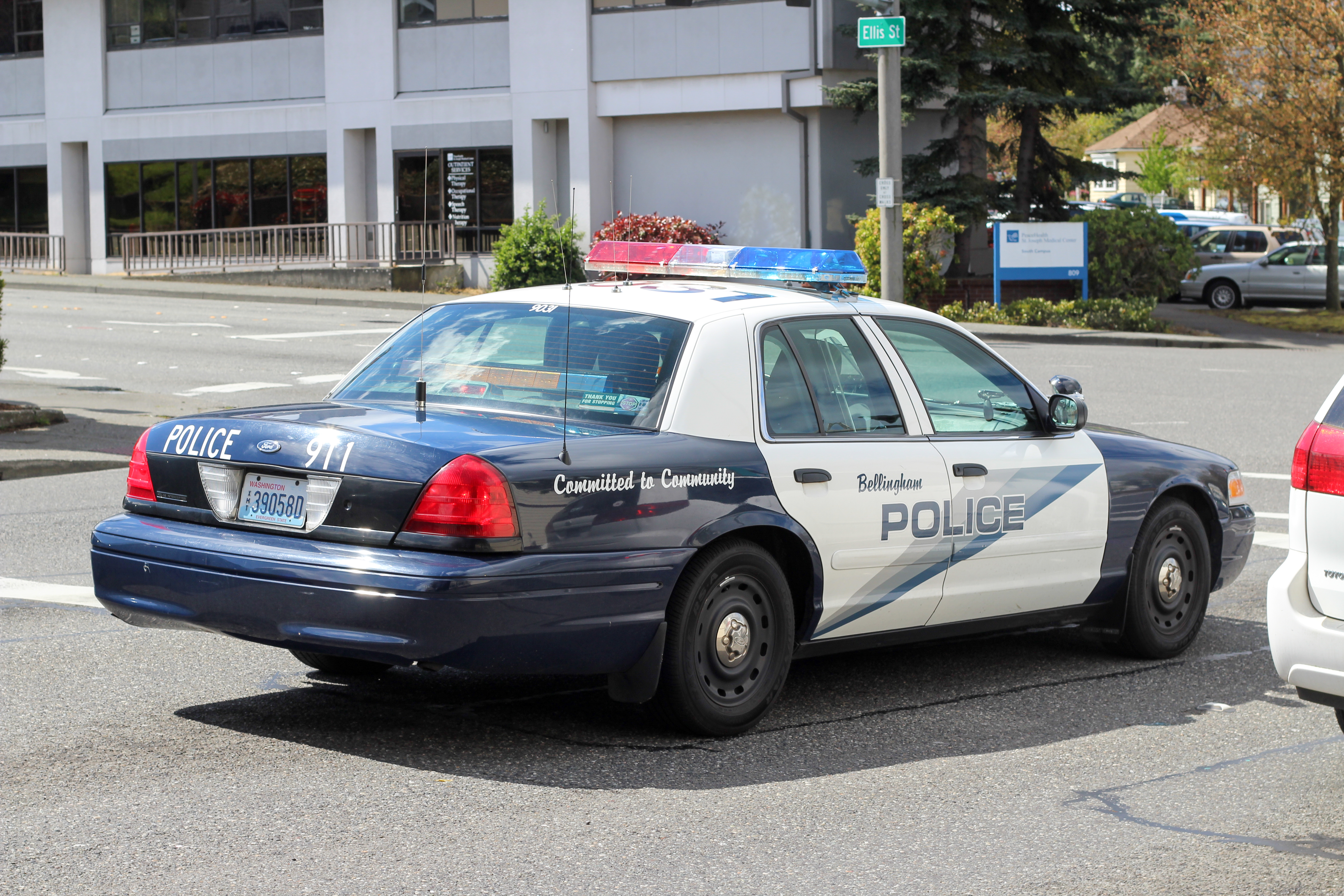 Bellingham, wa police: ford crown victoria photo