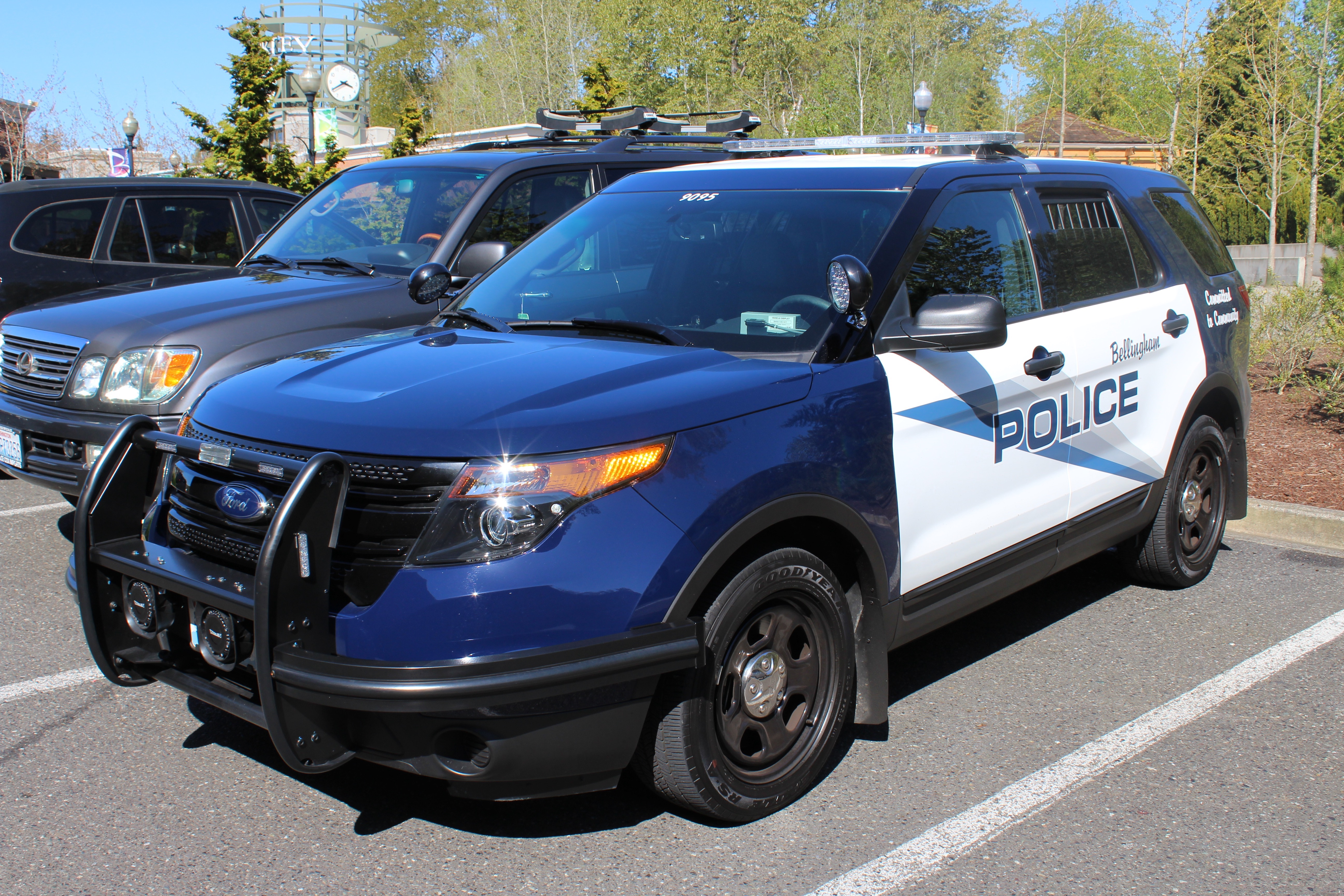 Bellingham, wa police ford police utility (9096) photo