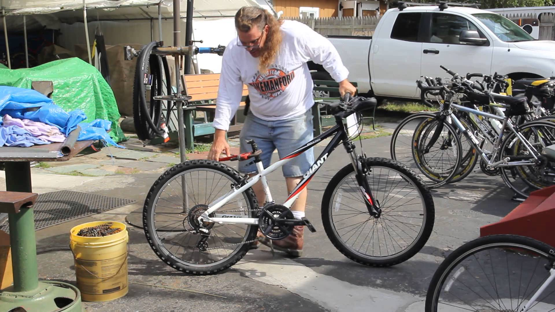 Stuck Seat Post - What Should I Do? Bicycle Repair - BikemanforU ...