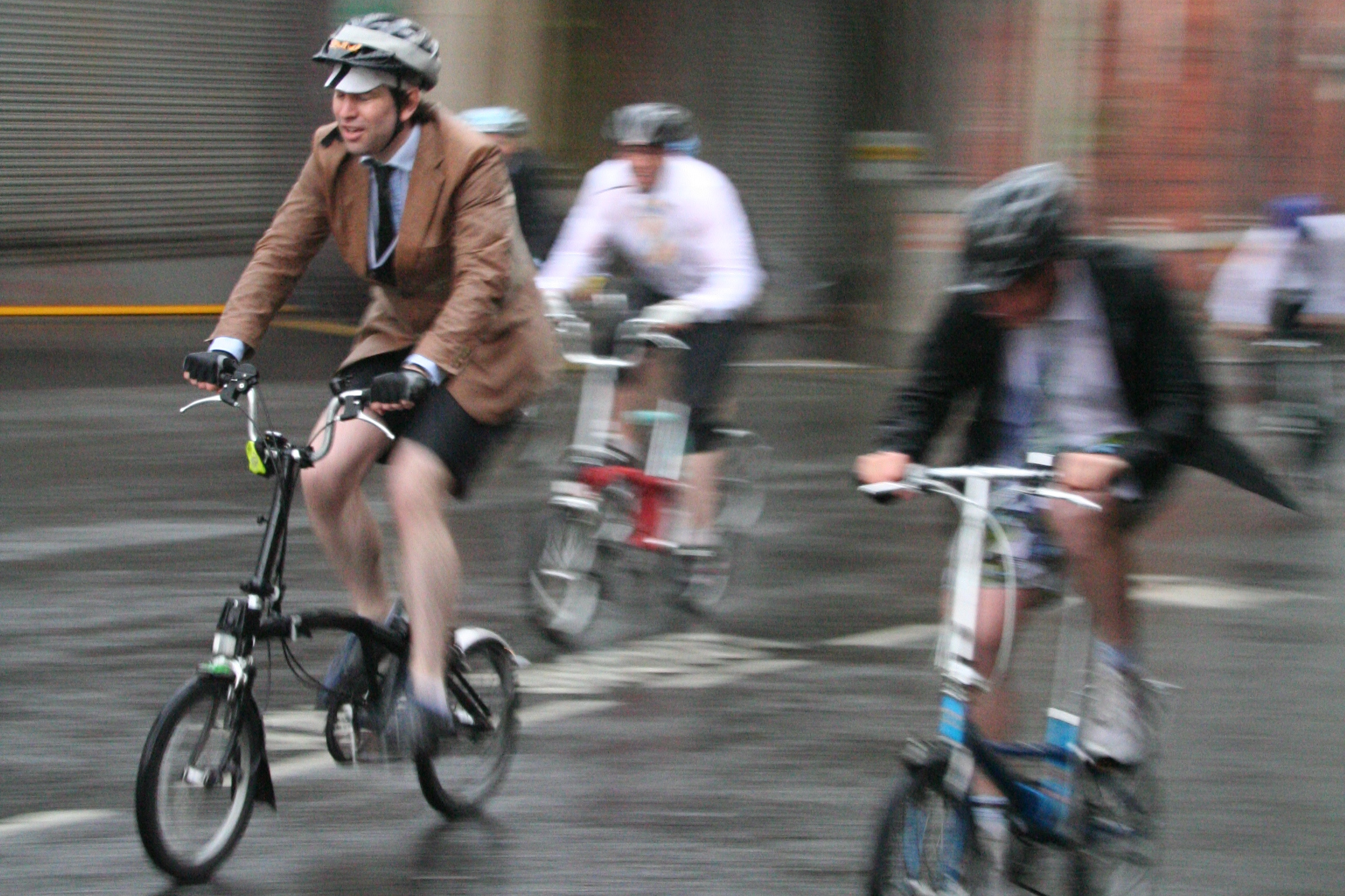 File:Folding-bicycles-smithfield-london-racers.jpg - Wikimedia Commons