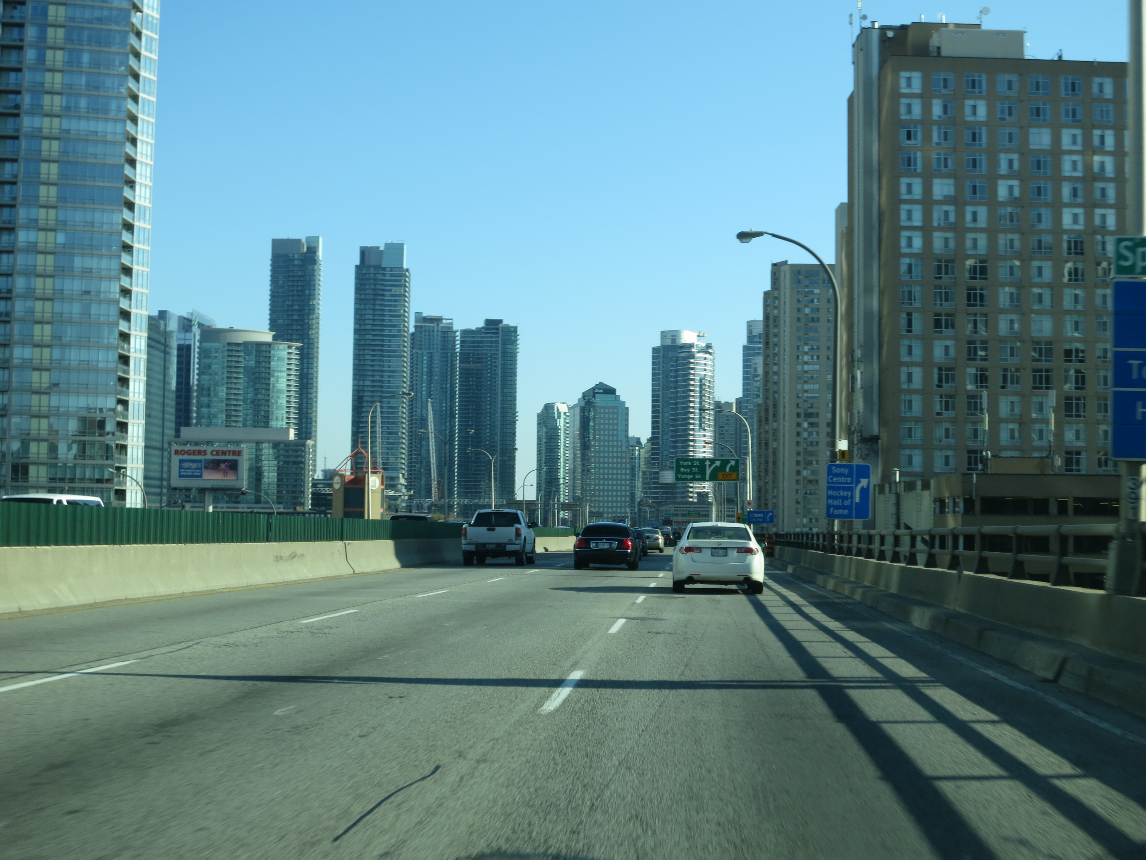 File:In a big city now.jpg - Wikimedia Commons