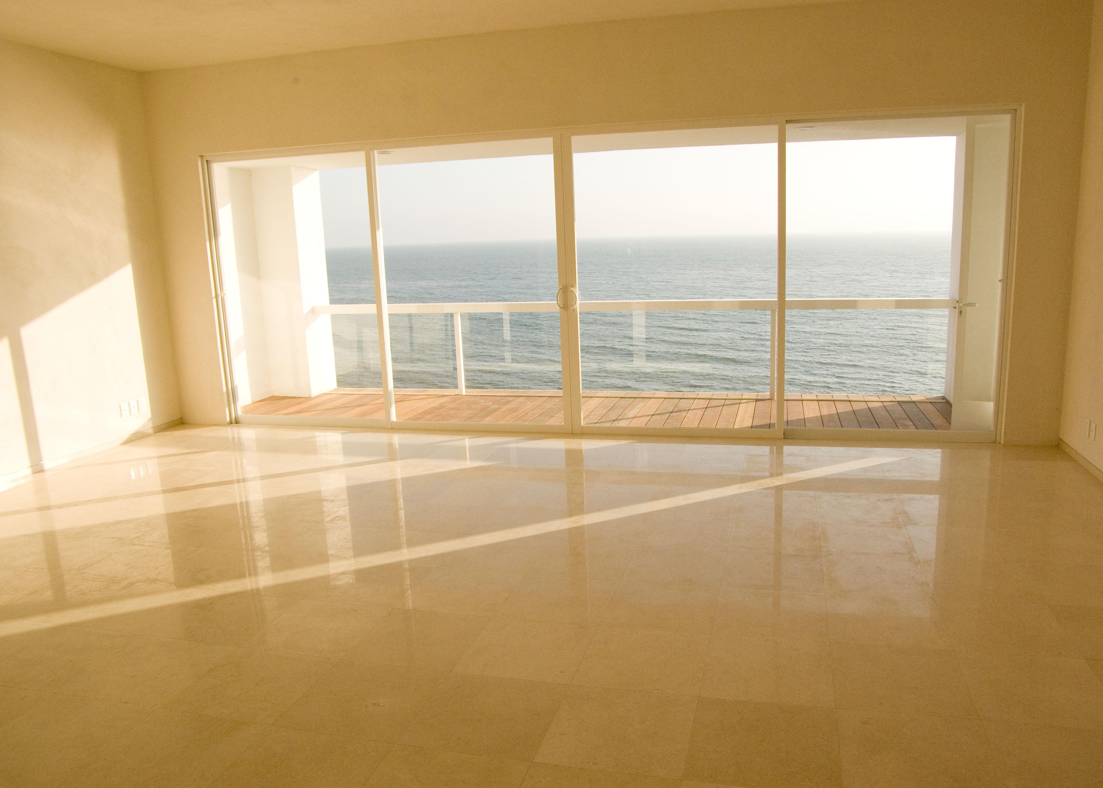 the big empty room | photo page - everystockphoto