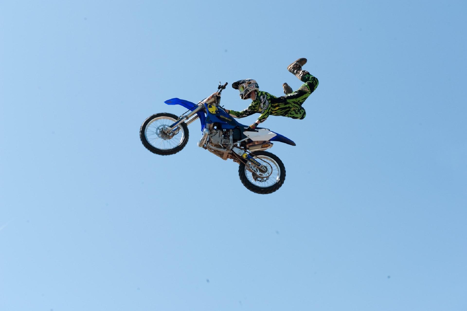 Bike jumping photo