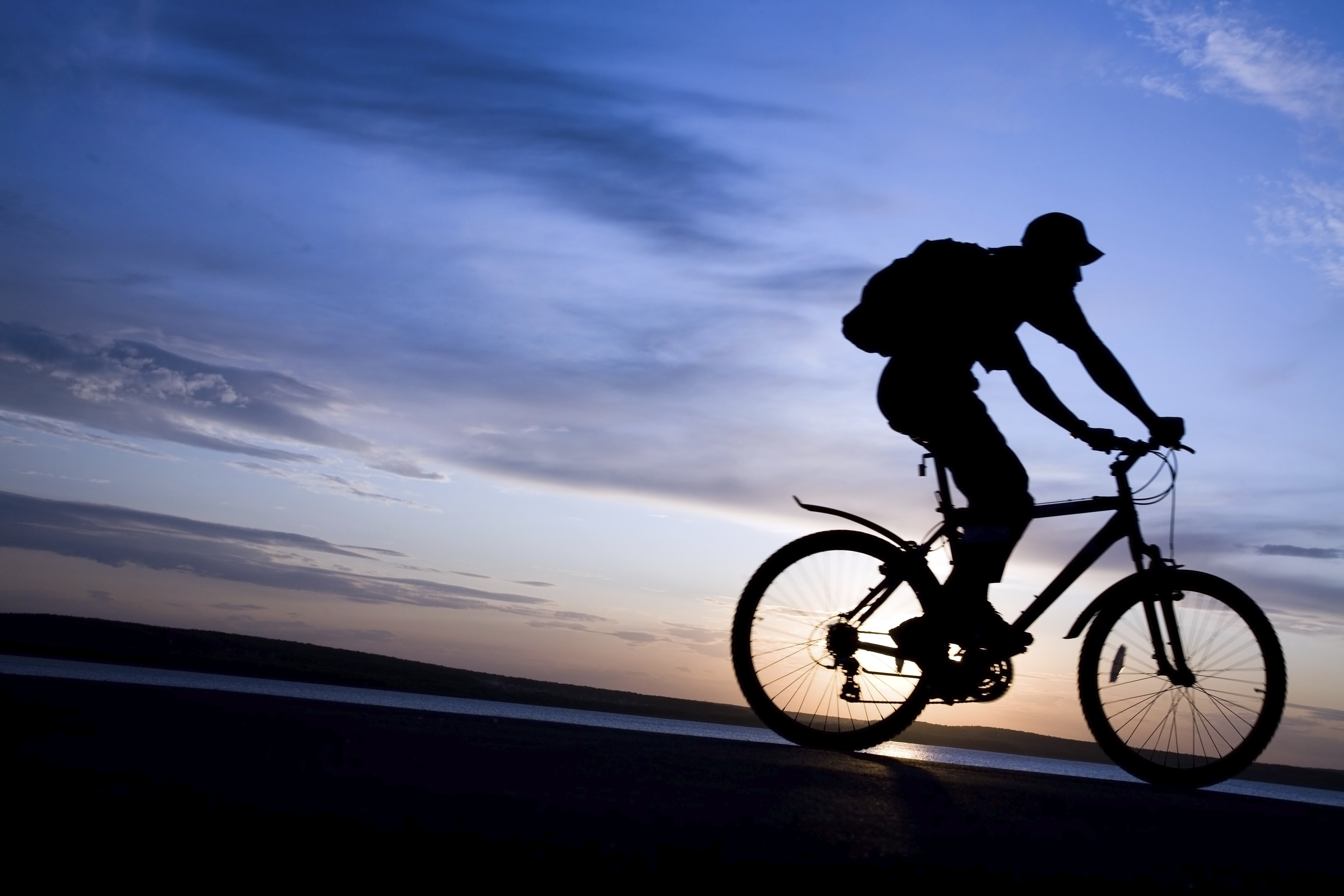 Going Riding in the Dark? Here's What You Should Know - The Hybrid Bike
