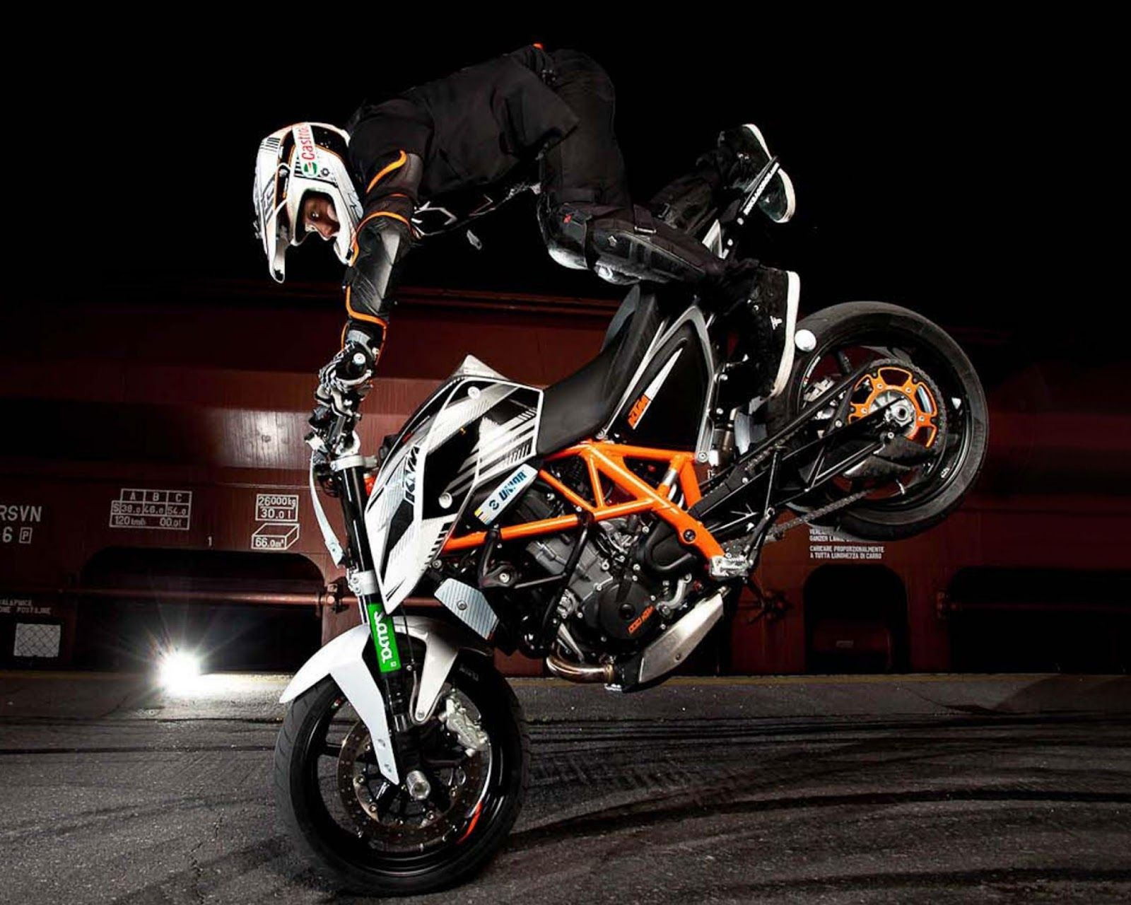 bike stunts wallpapers Collection (63+)