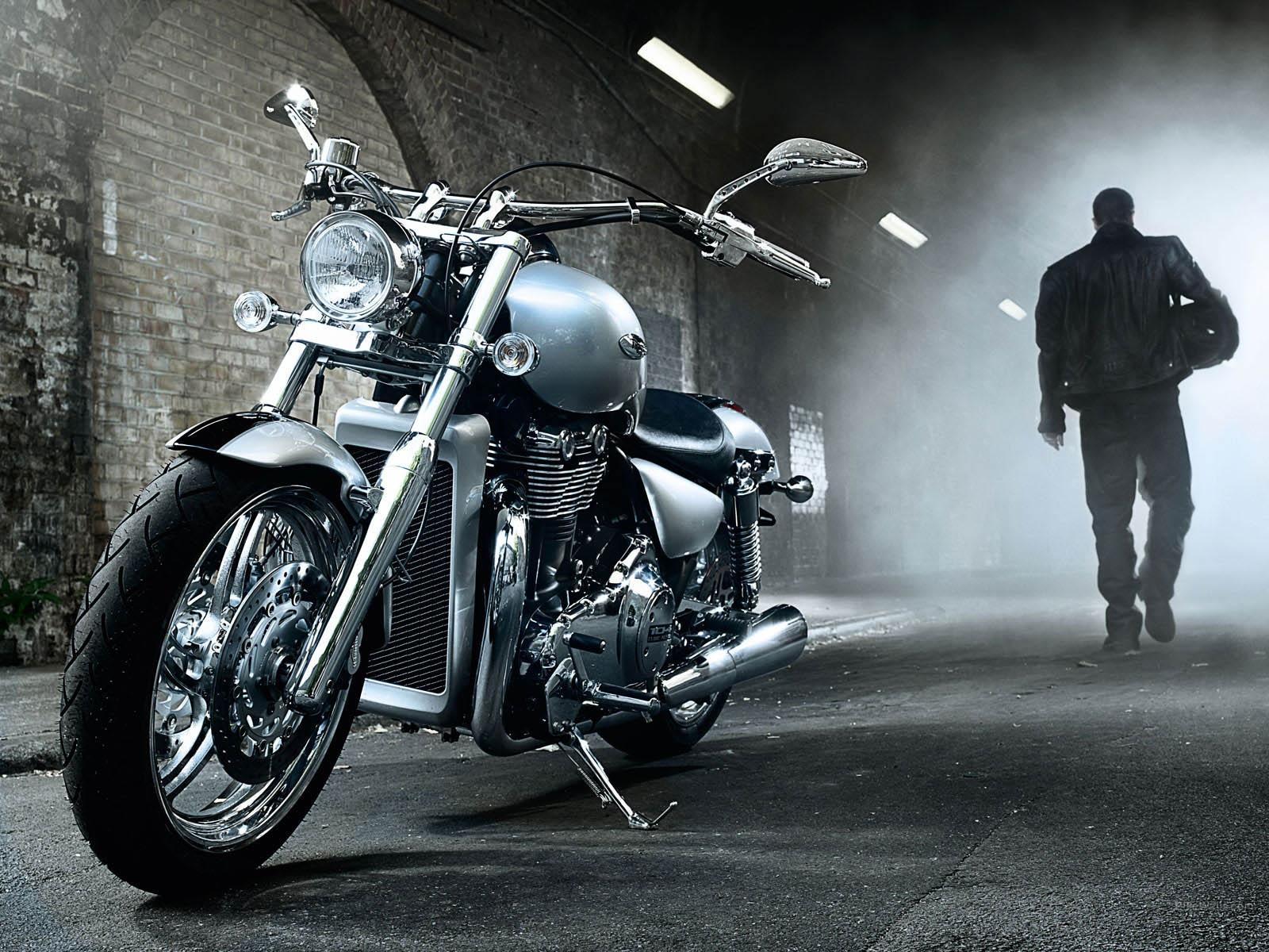 1600x1200px 591.88 KB Biker #342453
