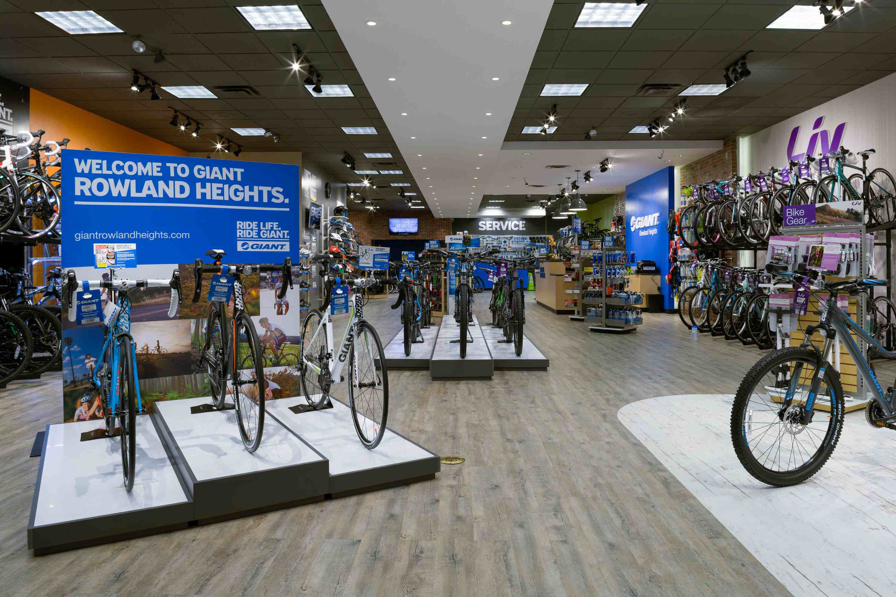 New SoCal retailer opens as Giant Store | Bicycle Retailer and ...