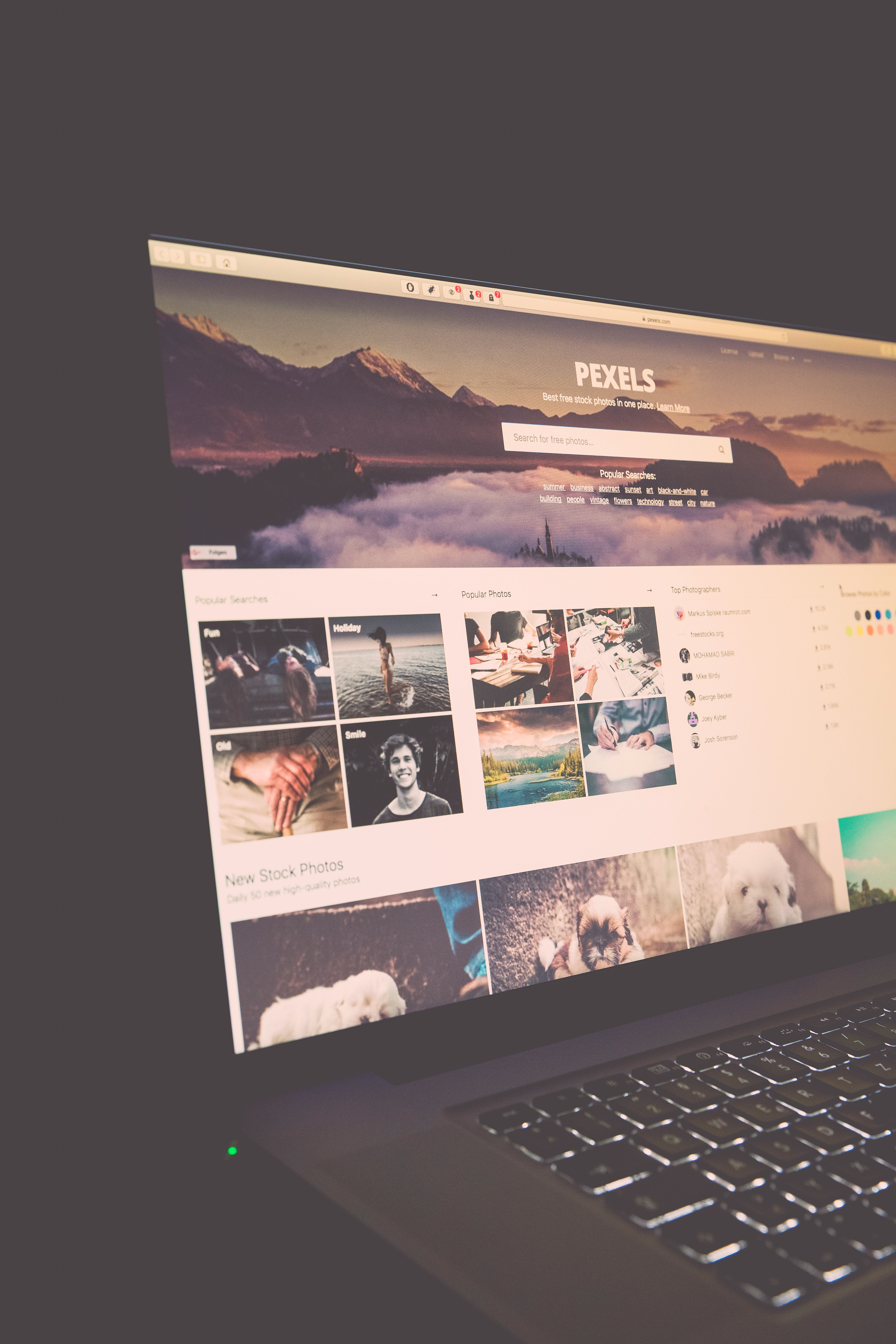Black and Grey Laptop Computer Turn On, Technology, Source, Screen, Website, HQ Photo