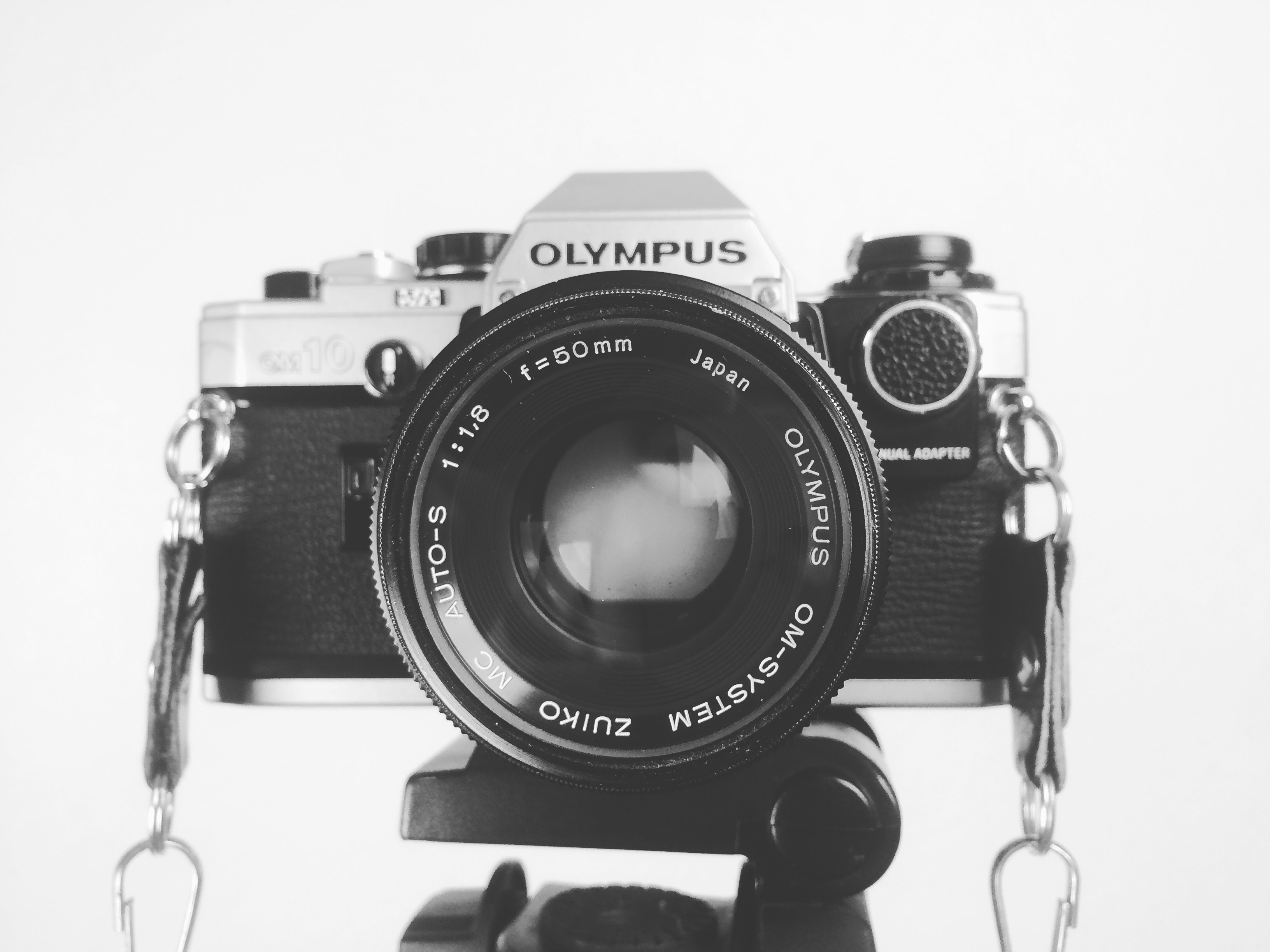 Black and grey olympus body camera photo