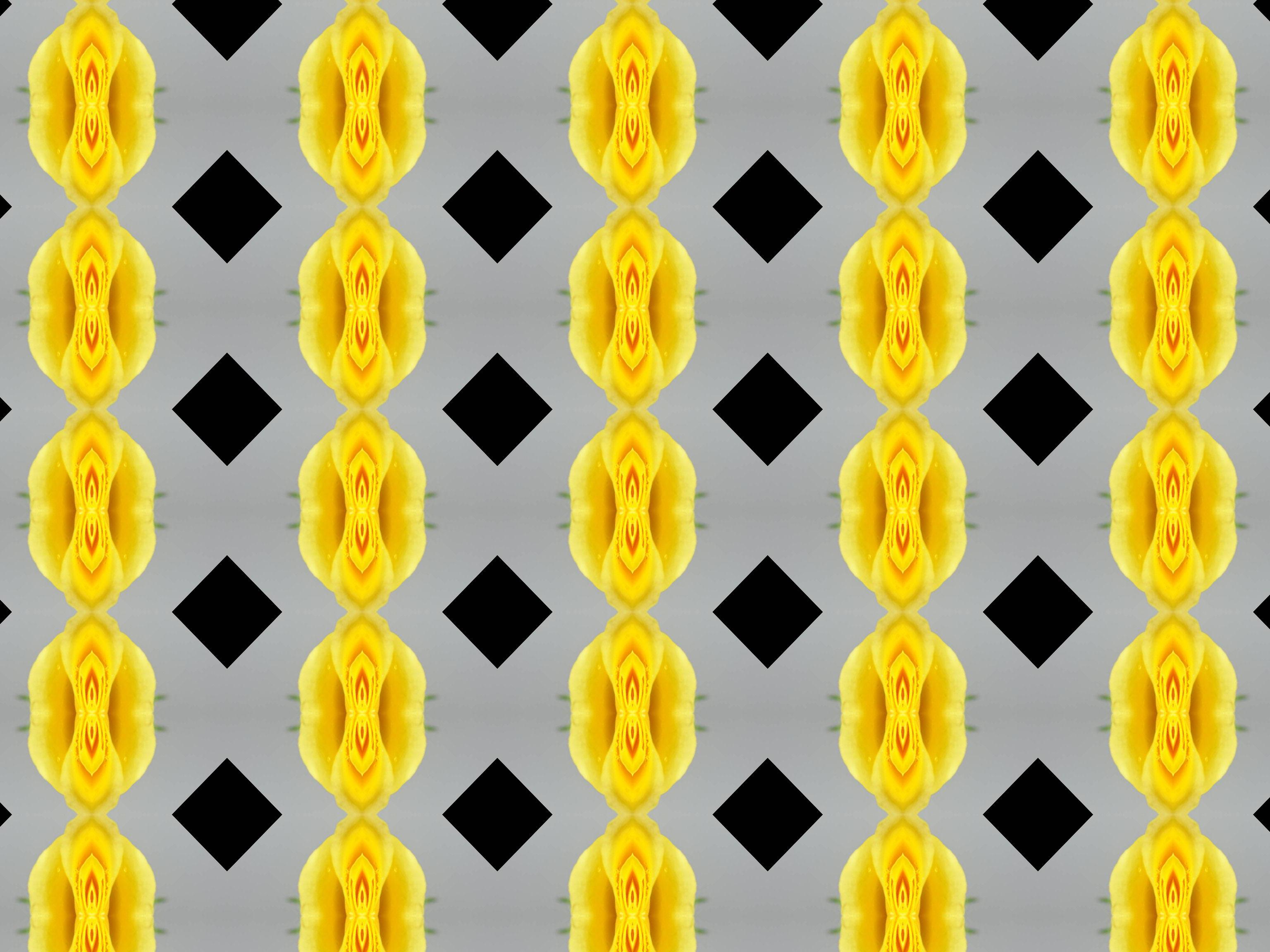 Black and yellow pattern photo