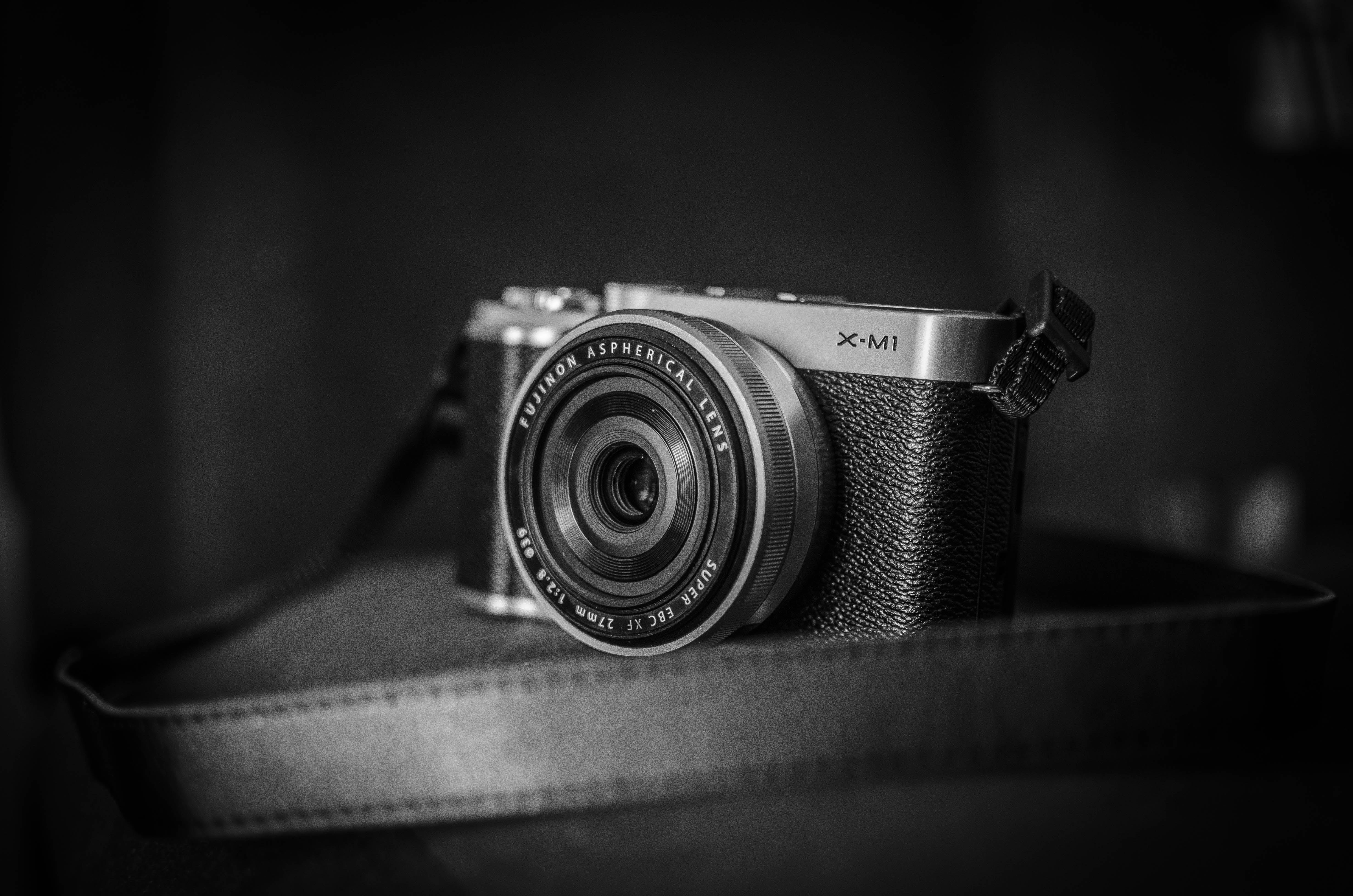 Free stock photo of black-and-white, camera, lens