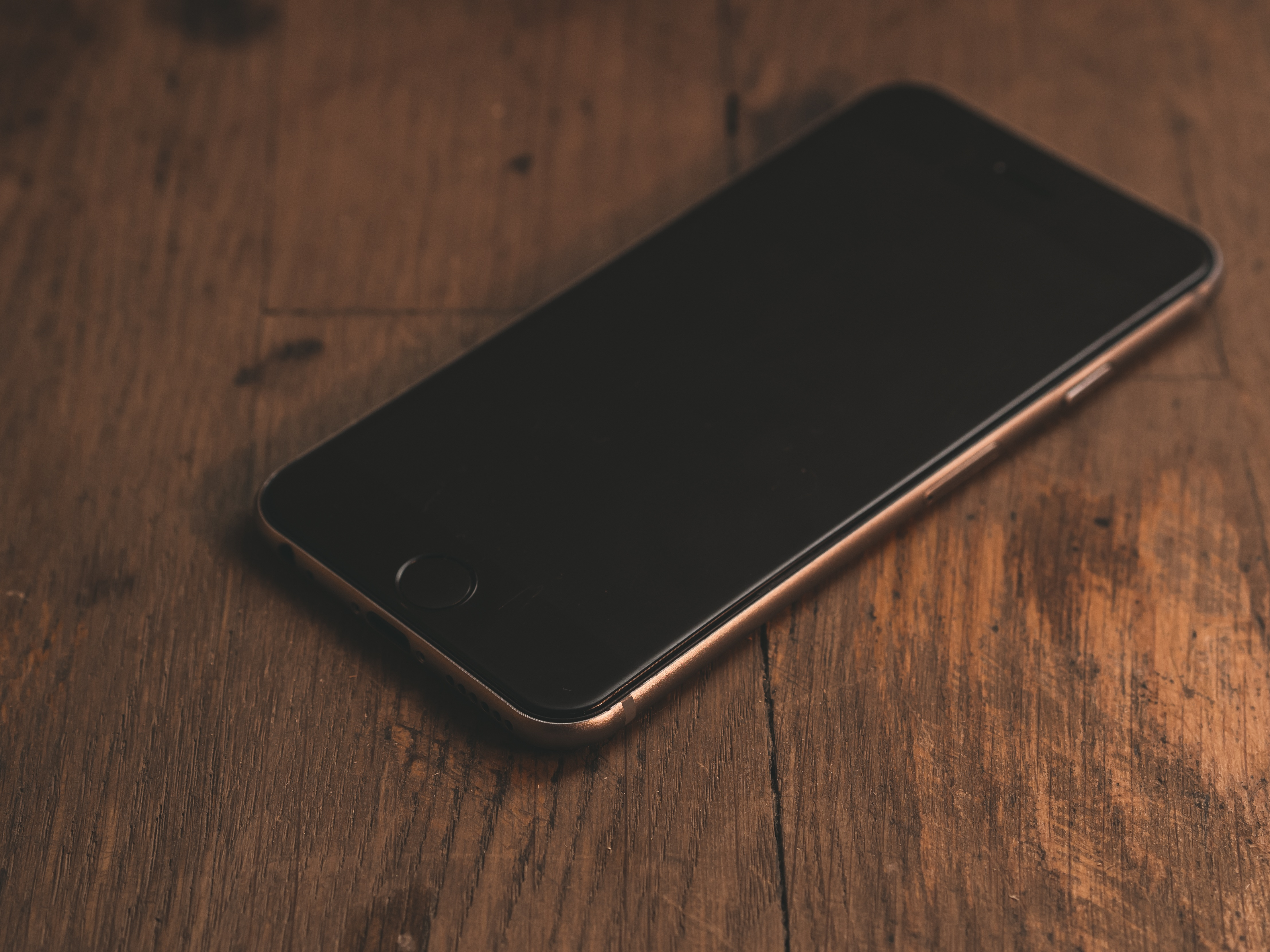 Free Images : iphone, desk, smartphone, screen, table, wood ...