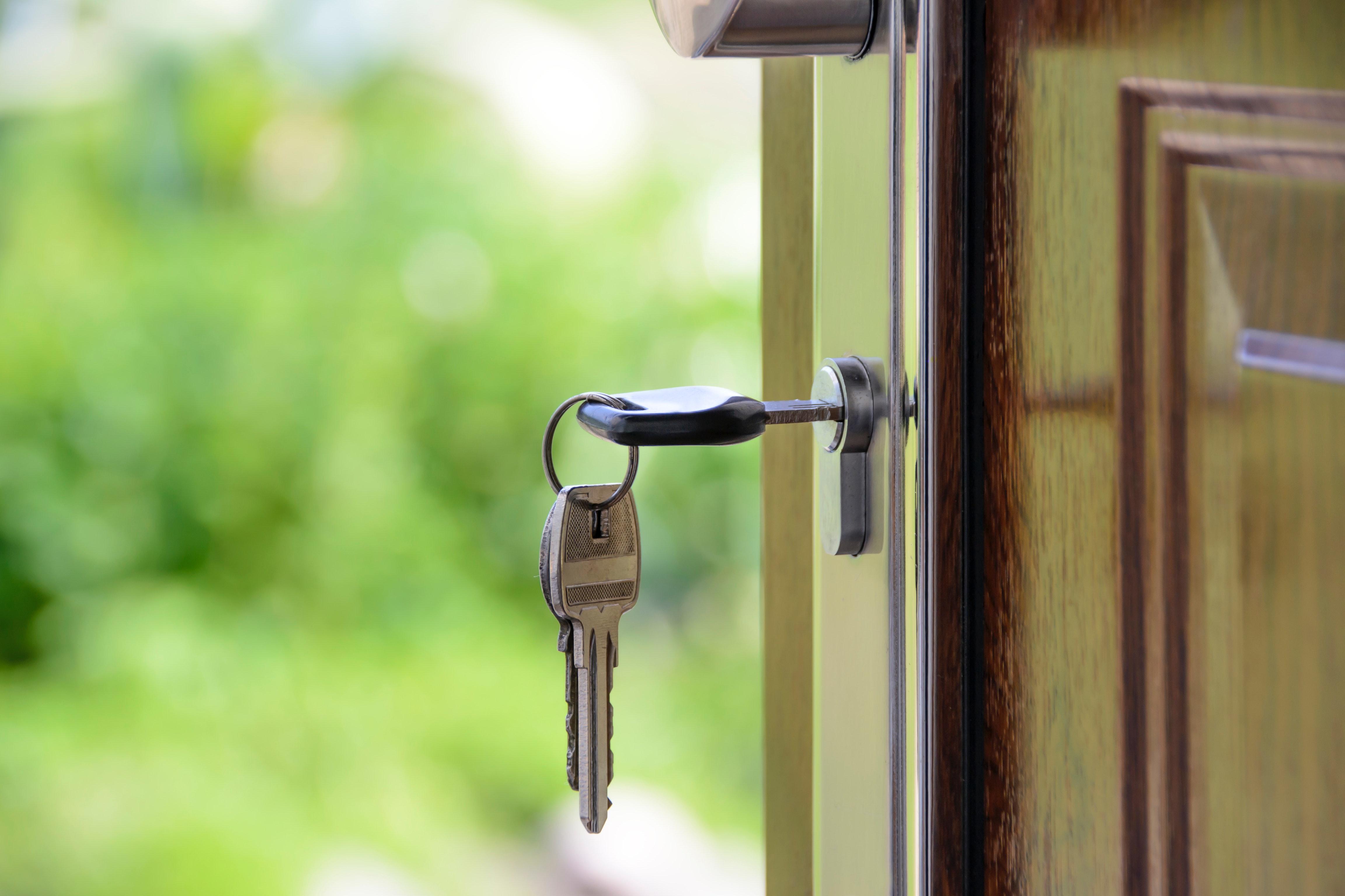 Black Handled Key on Key Hole, Close-up, Door, Keyhole, Keys, HQ Photo