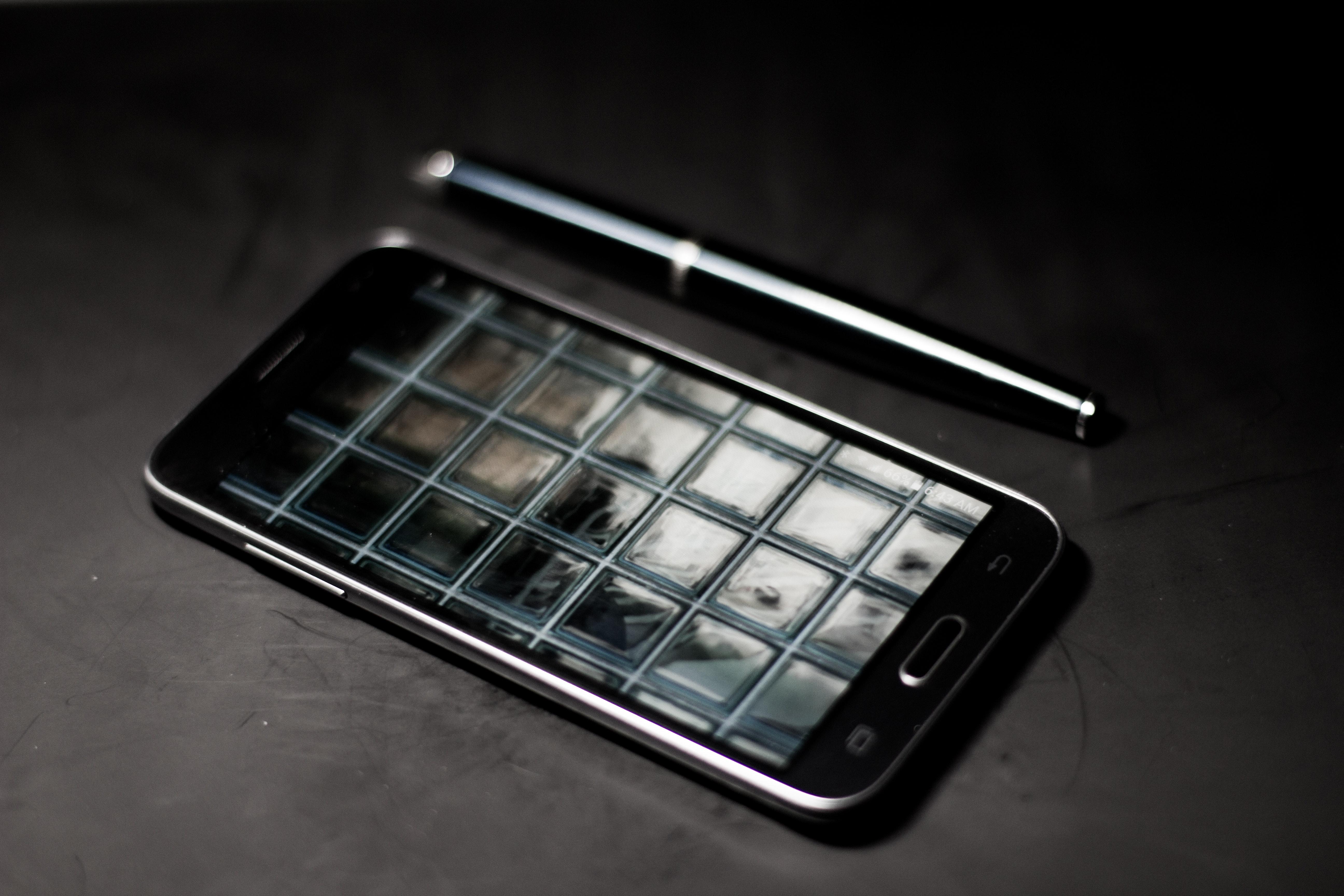 Black samsung android smartphone photo