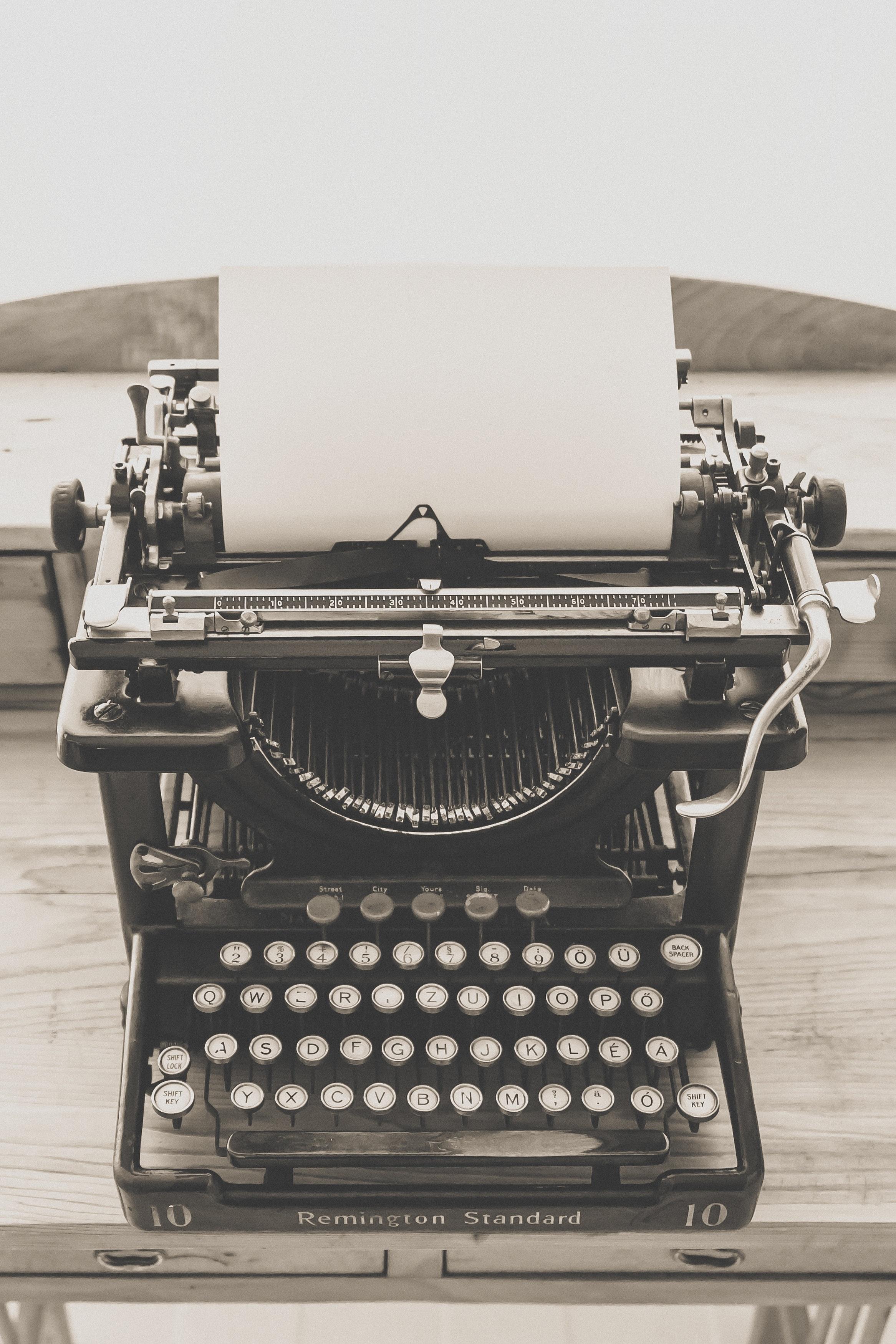 Black Vintage Typewriter, Antique, Paper, Vintage, Typing, HQ Photo