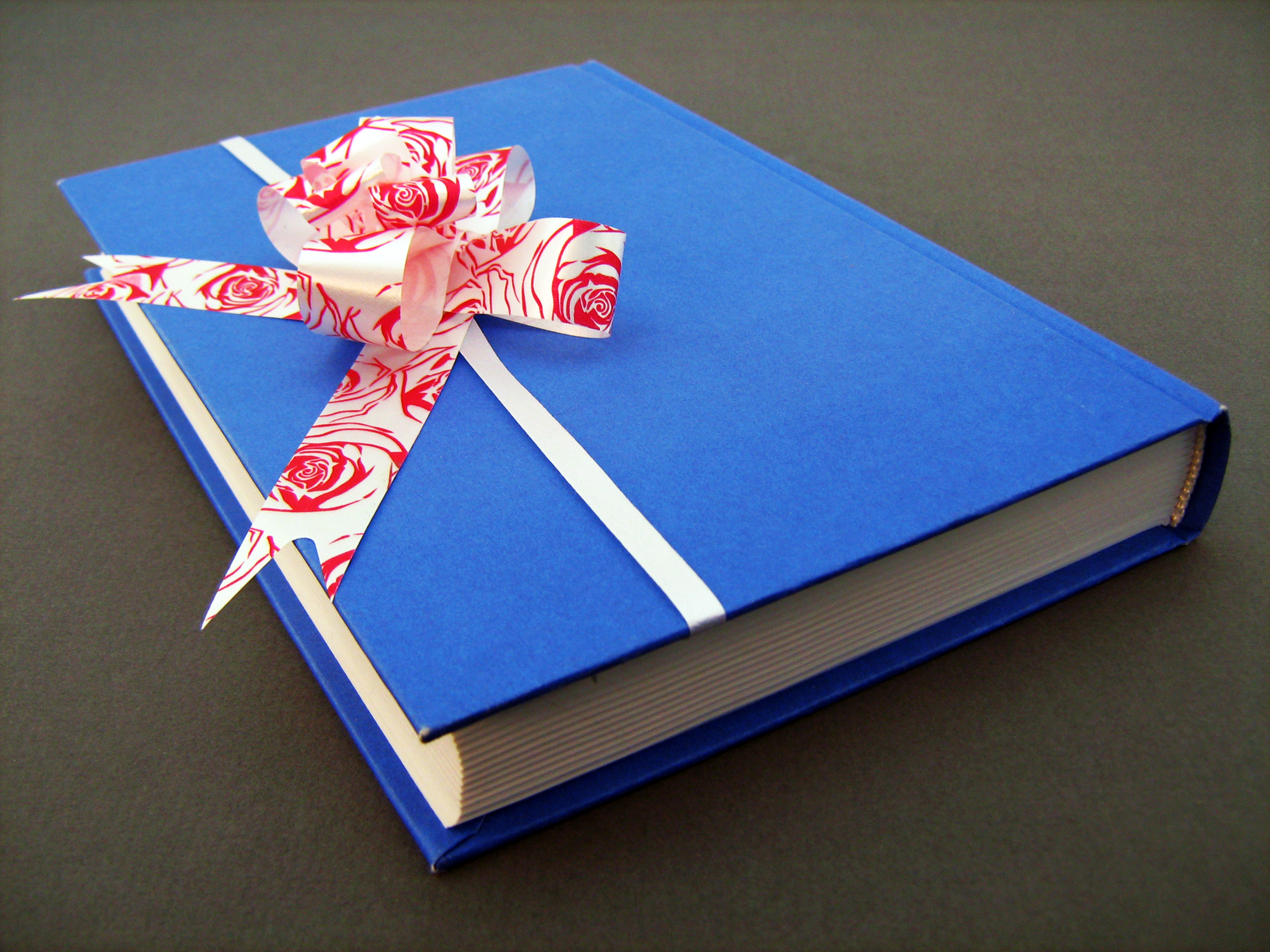 Blue book with bow, Present, Ribbon, Red, Literacy, HQ Photo
