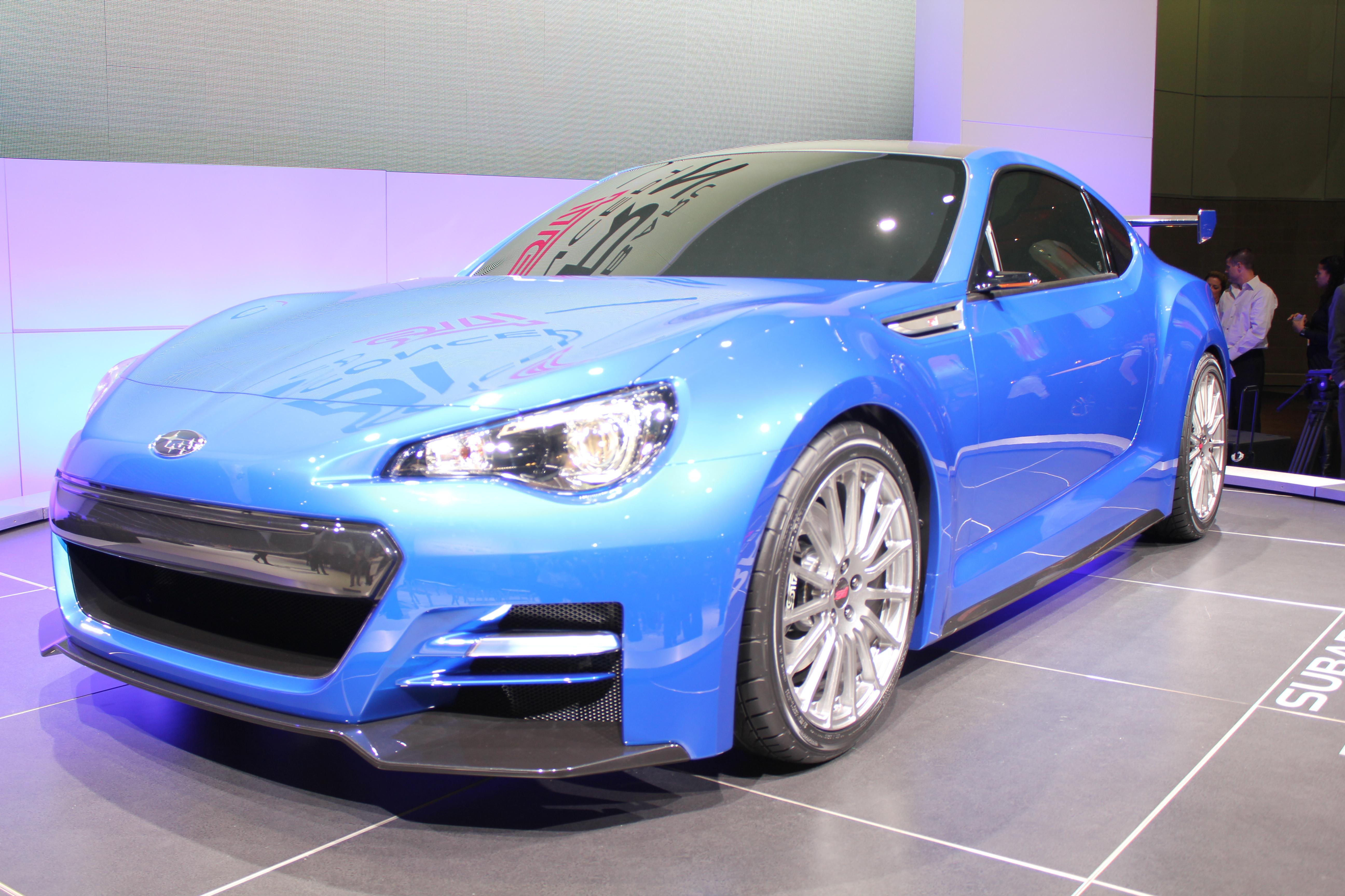 File:Blue Car 1224.jpg - Wikimedia Commons