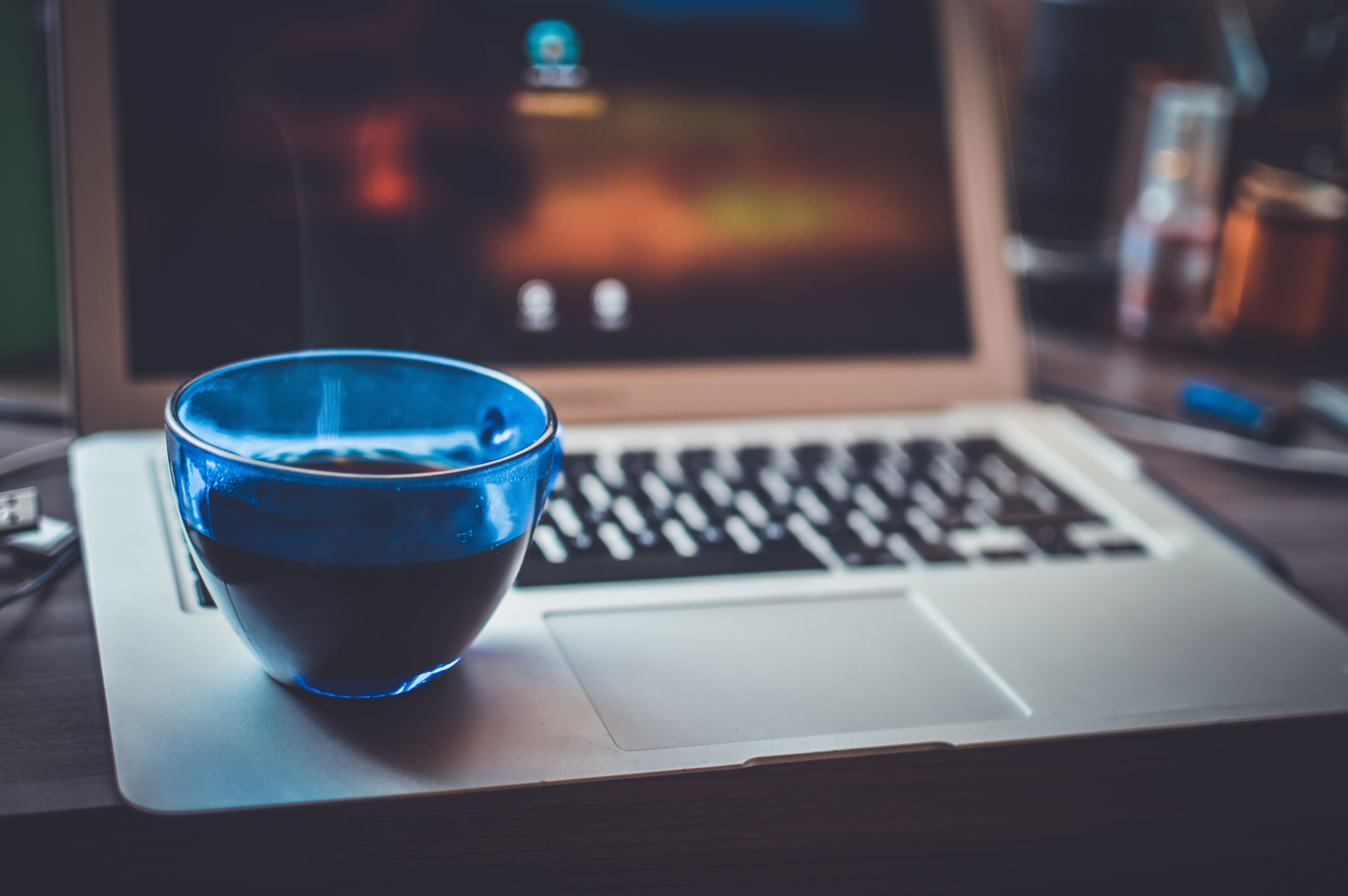 Blue Glass Cup on Silver Laptop Computer, Macbook, Screen, Shadow, Technology, HQ Photo