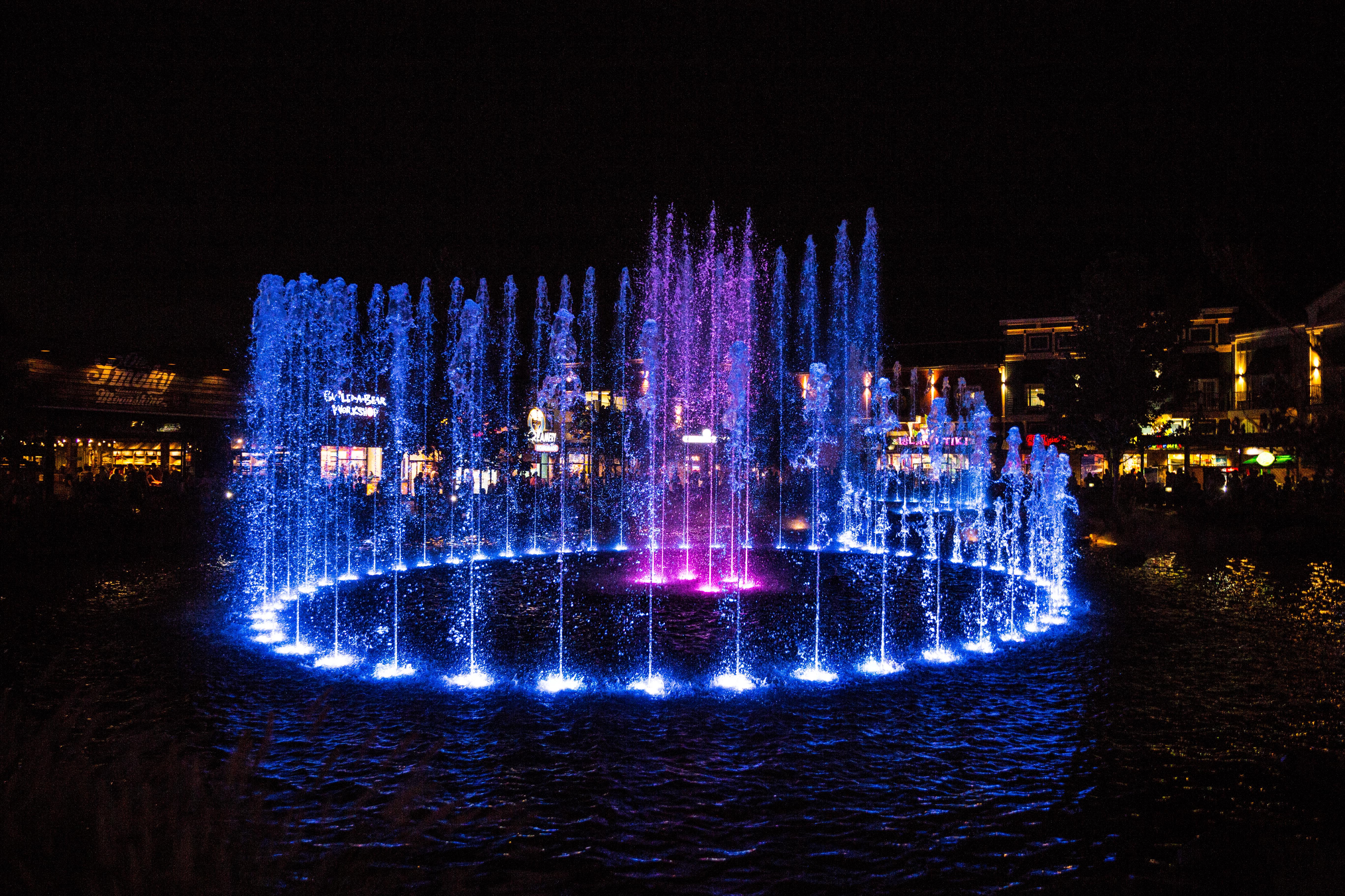 The Island Show Fountain: FAQ - The Island at Pigeon Forge