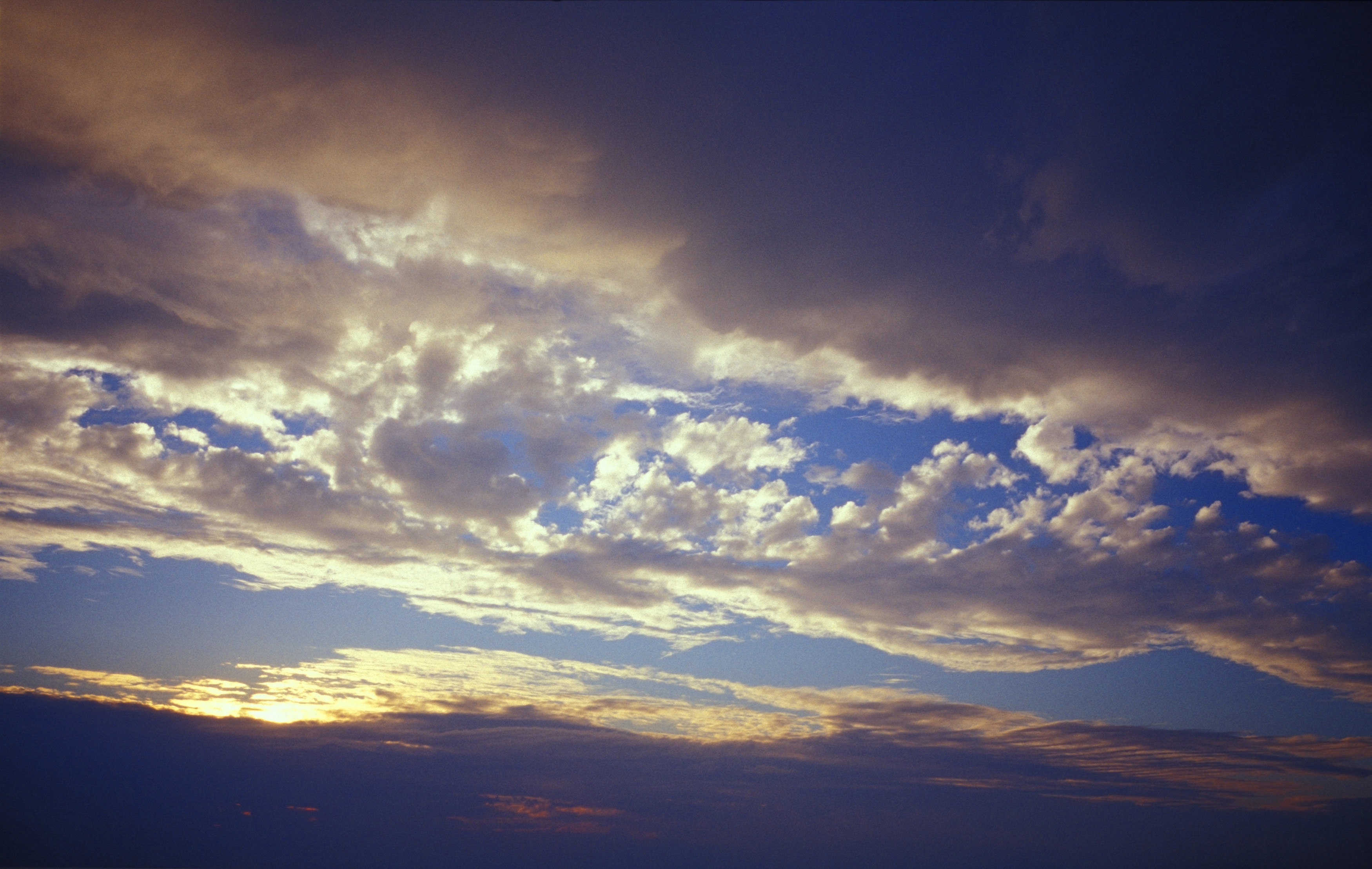 Free image of Beautiful and Dramatic Blue Sky at Sunset