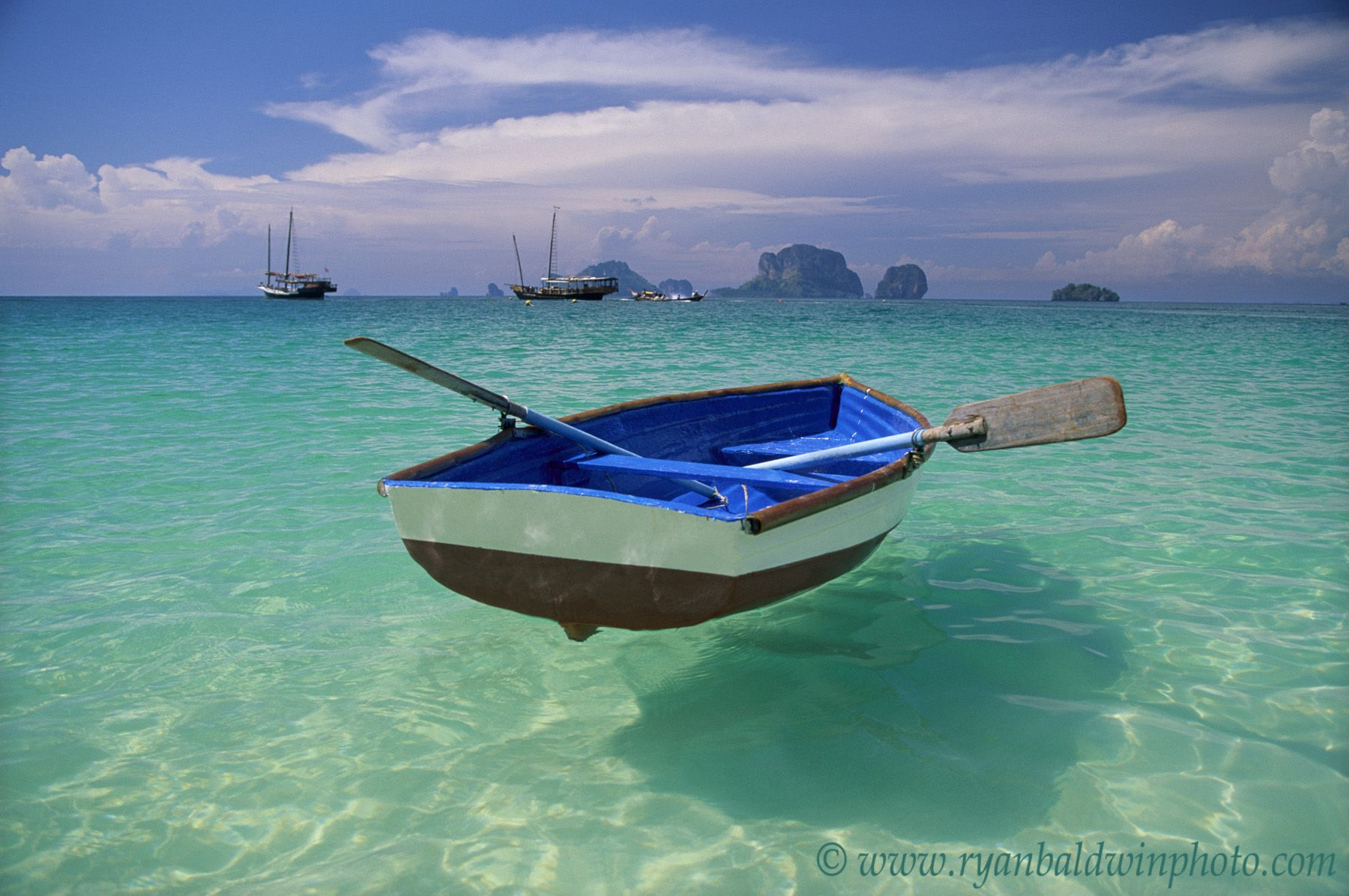 Boat on the Water | !