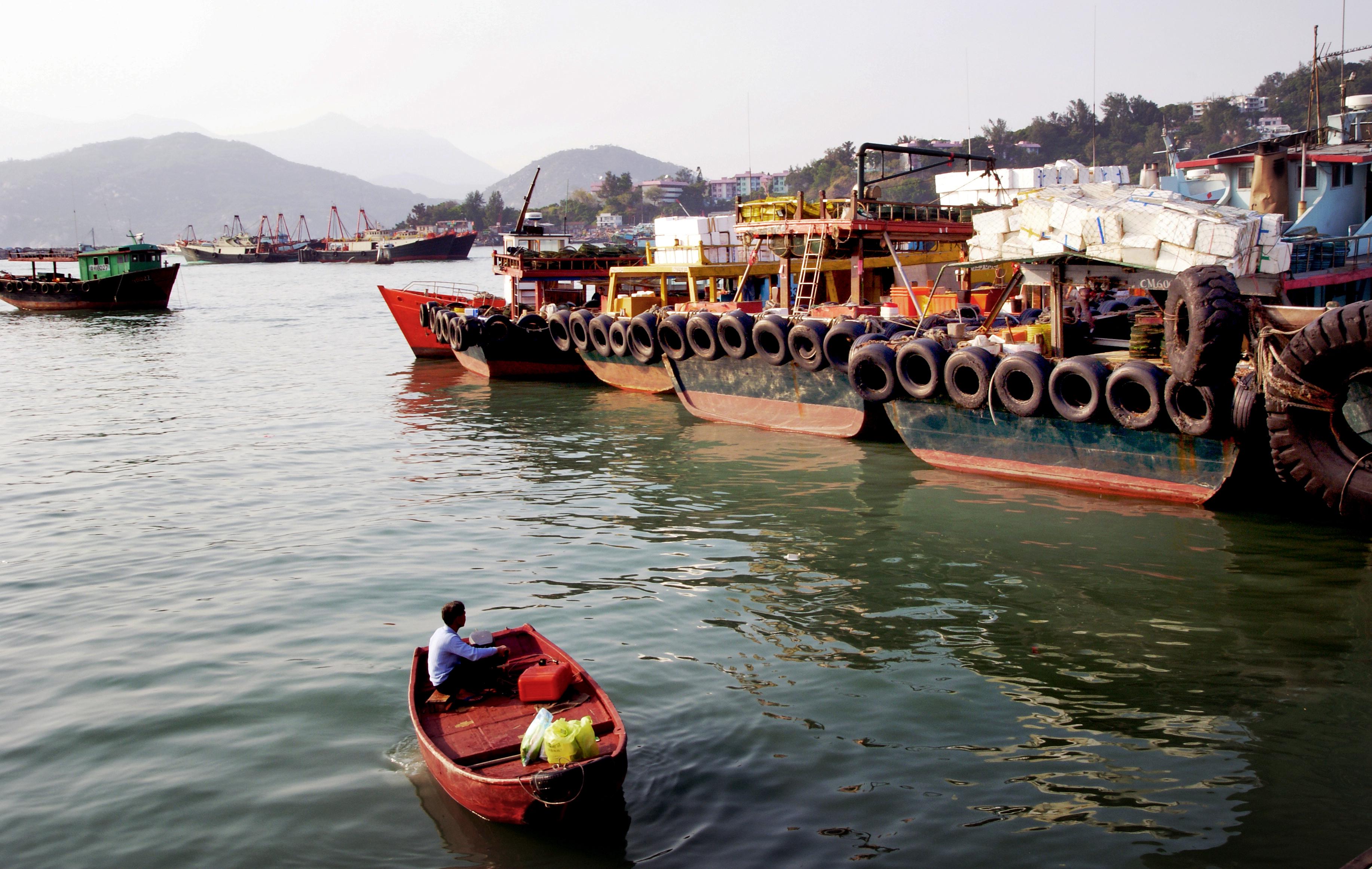 Boatman.Cheung Chau. HK, Boat, Free photos, Geo tagged, Harbour, HQ Photo