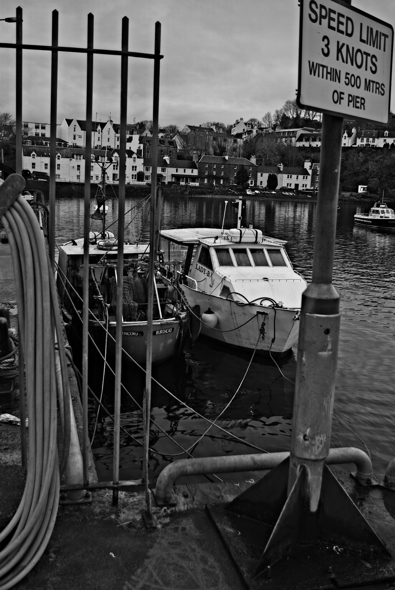 Boats in Portree Harbor, Isle of Skye, Black&white, Boats, Dock, Fishing, HQ Photo