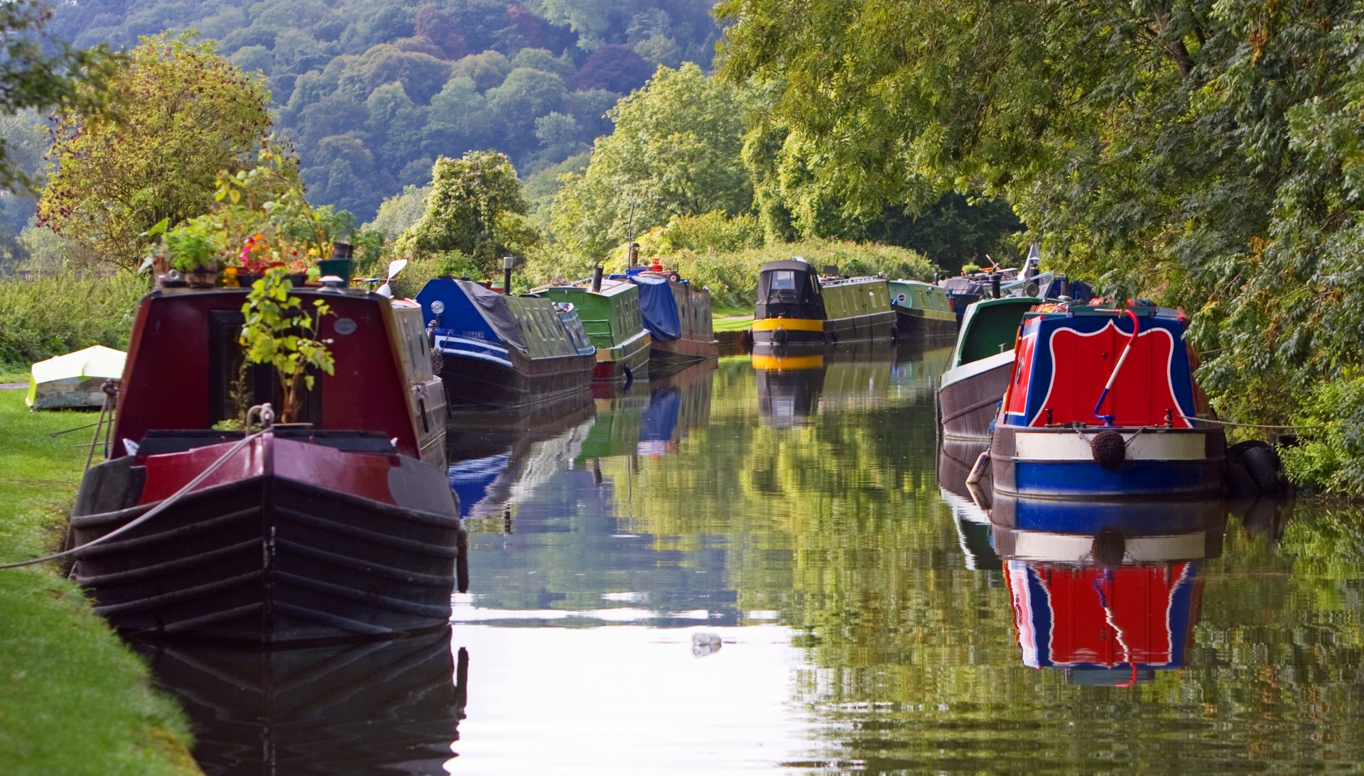 Boats On River Free Stock Photo - Public Domain Pictures