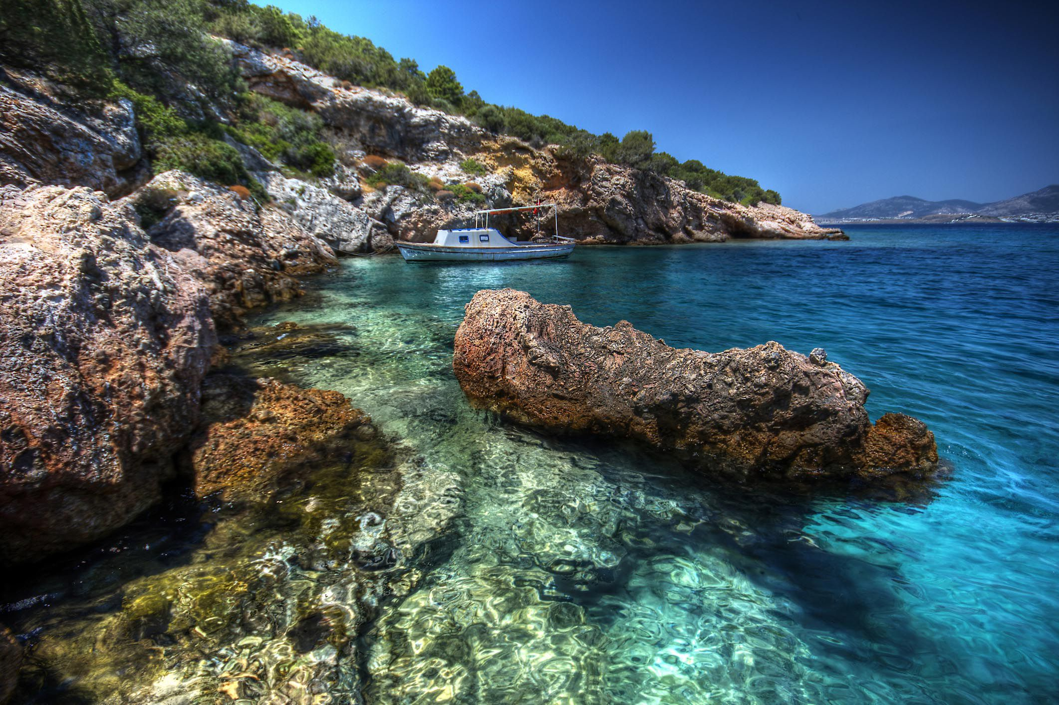Clearest Water in the World - Clear Bodies of Water