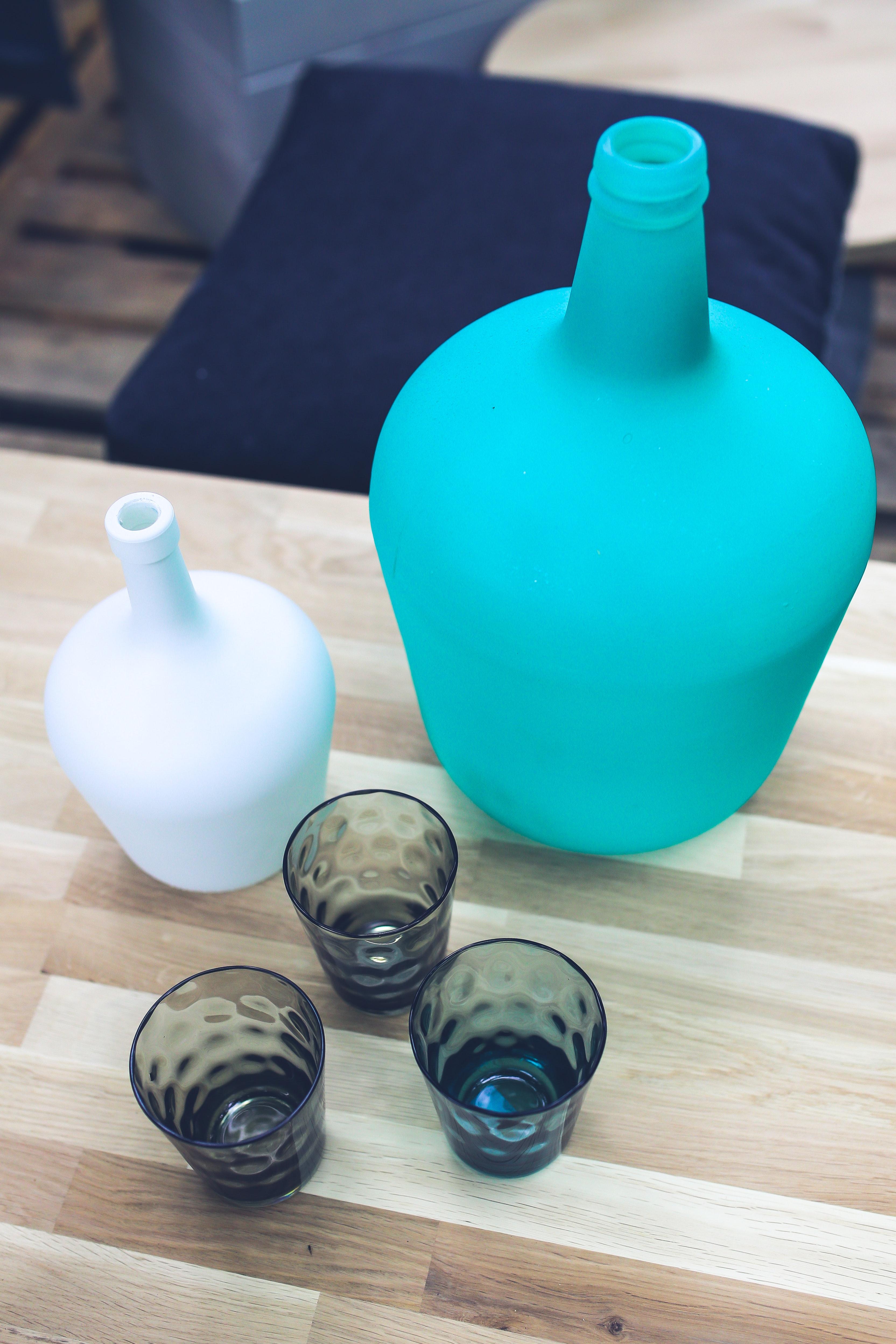 Bottle & glasses, Applied art, Group, Wood, White, HQ Photo