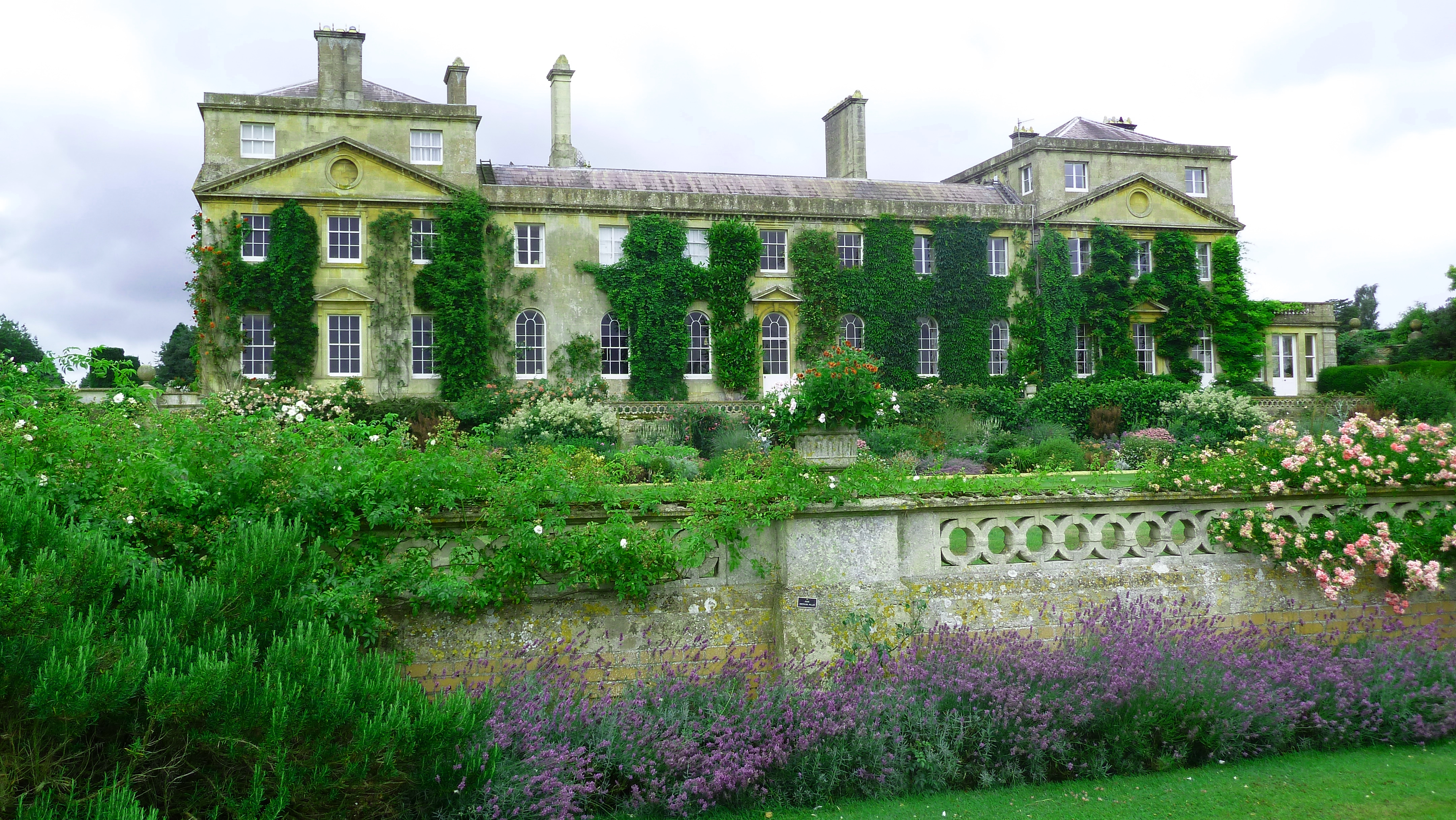 Bowood house and garden photo