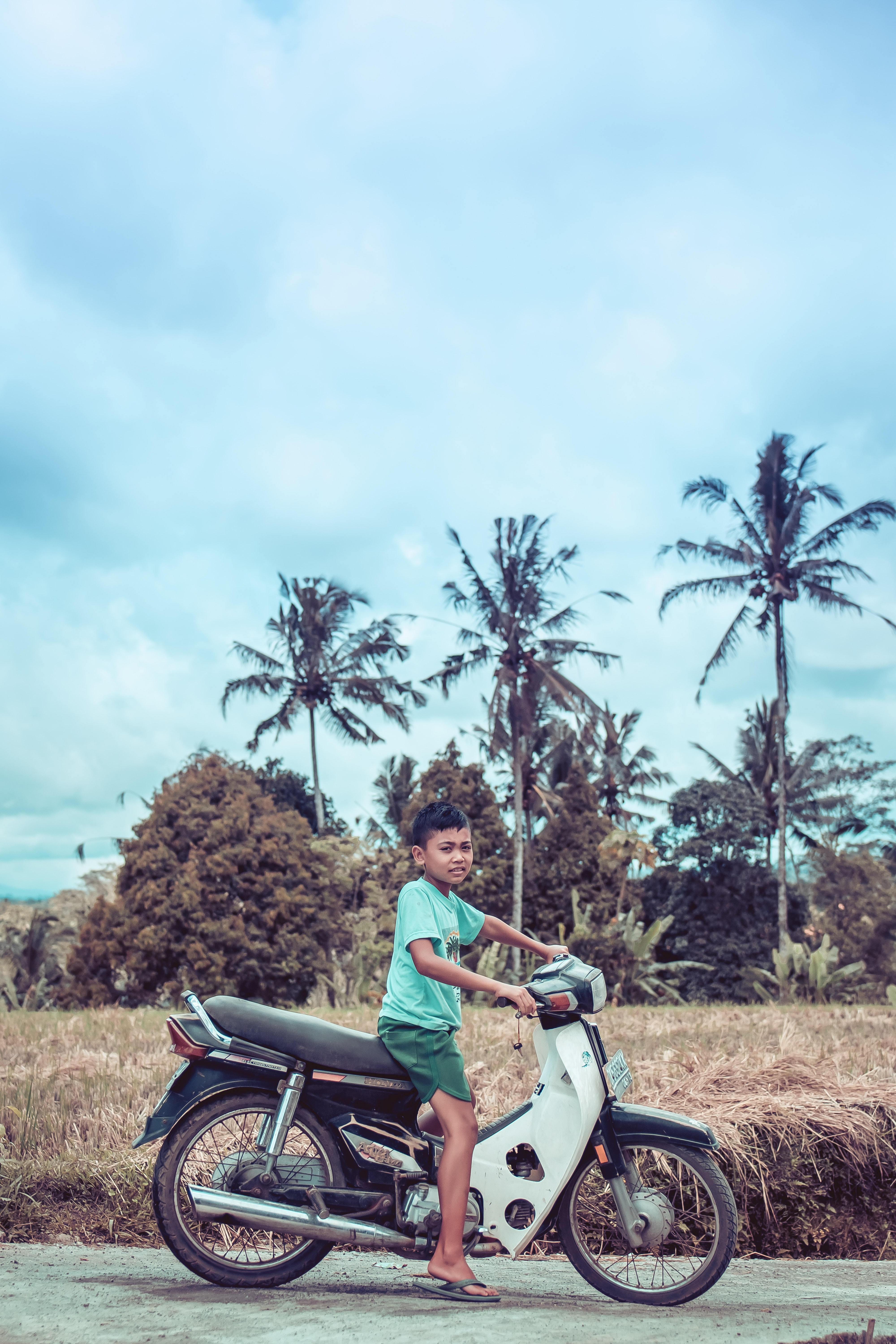 Boy Riding on White and Red Underbone Motorcycle, Asia, Summer, Ride, Road, HQ Photo