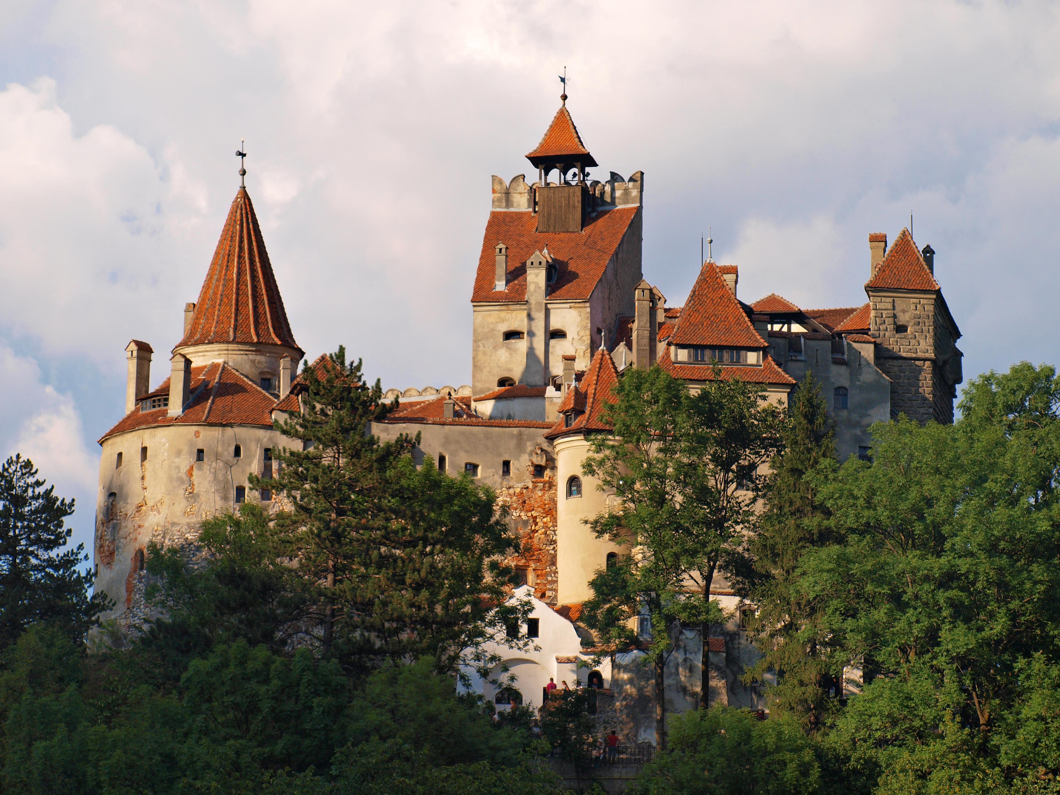 File:Bran Castle TB1.jpg - Wikimedia Commons