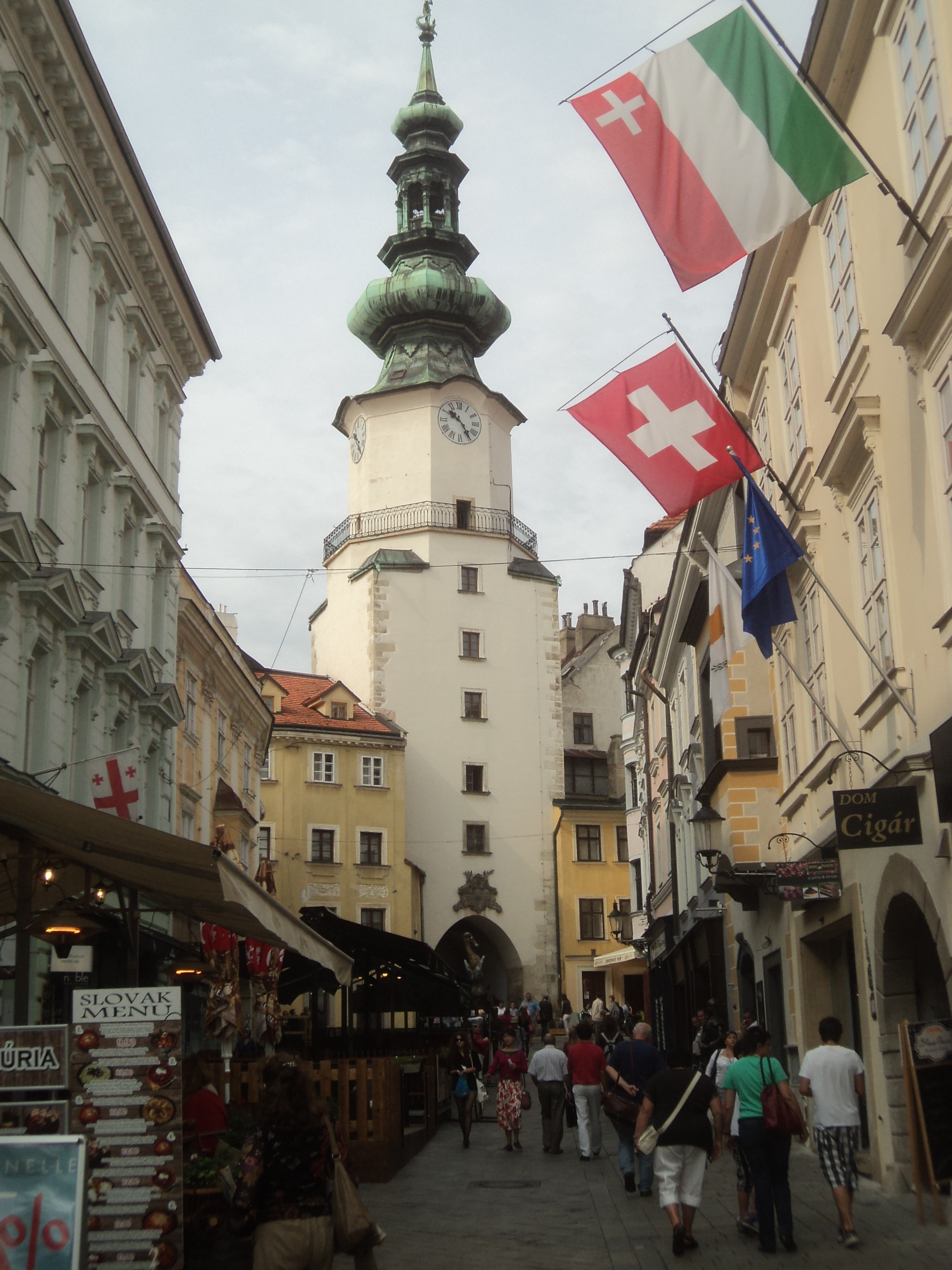 Slovakia : Bratislava - Gamintraveler