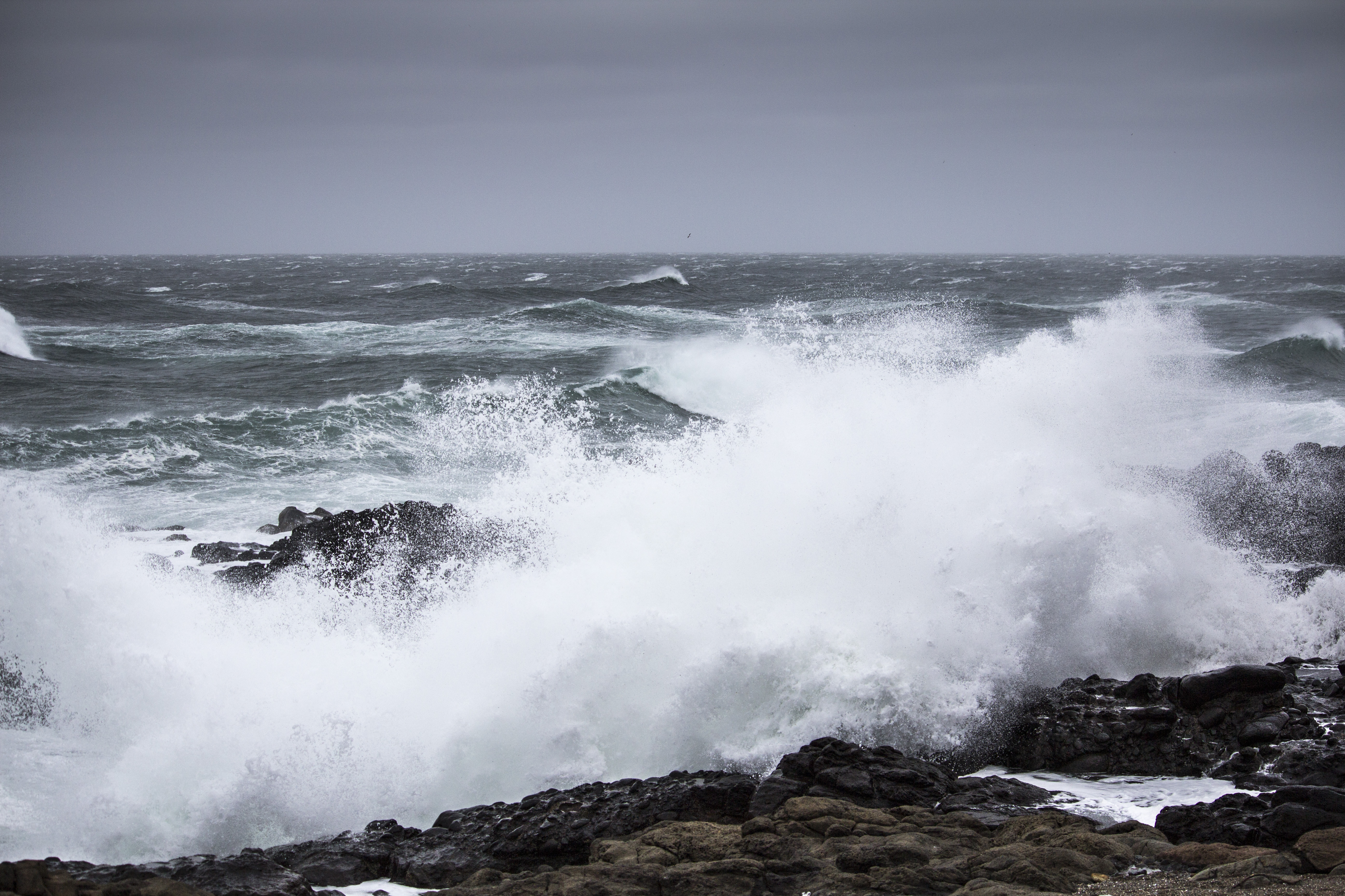 Breaking waves winter storm, Oregon Coast, Breaking, Clouds, Coast, Landscape, HQ Photo