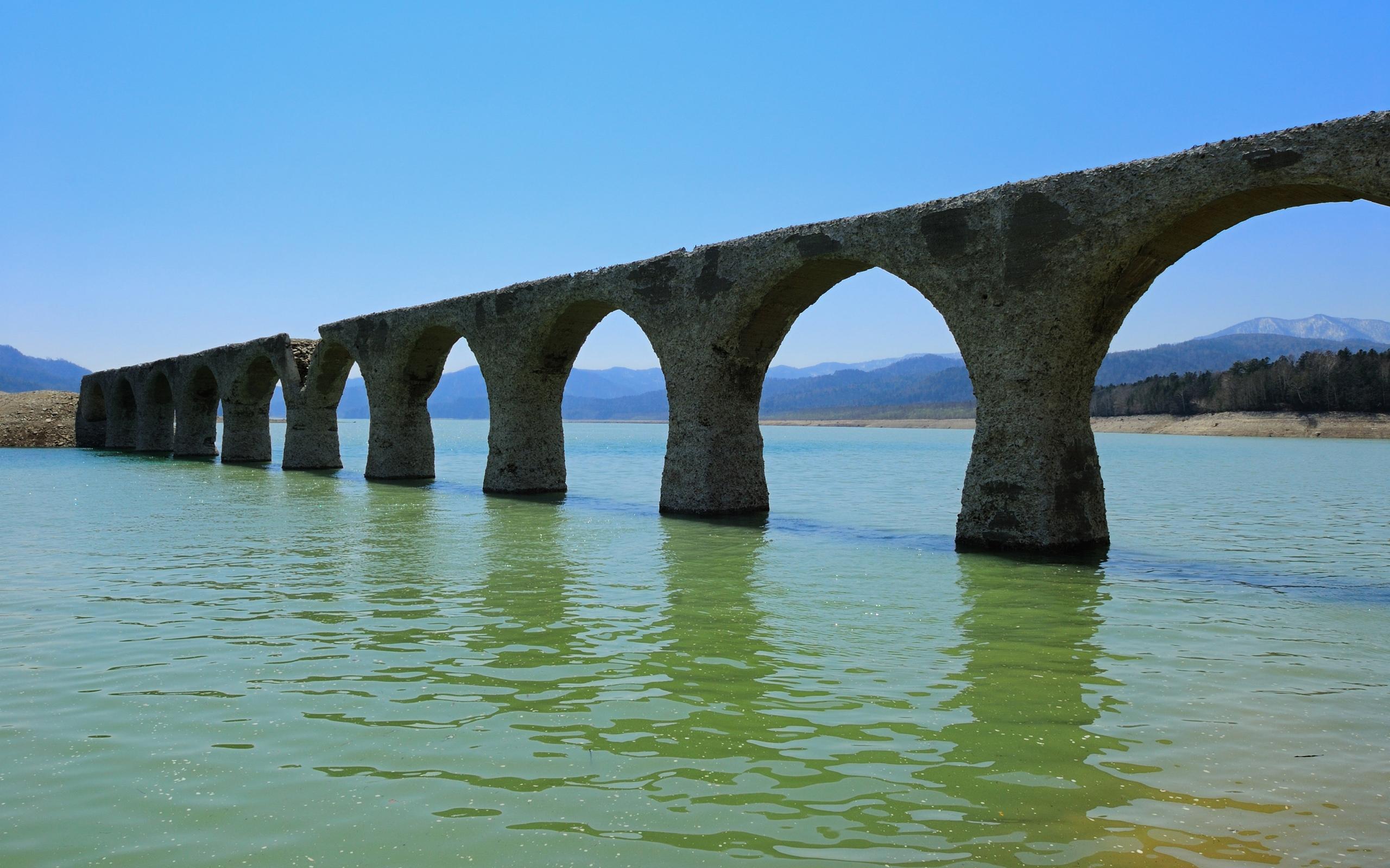 Old bridge / 2560 x 1600 / Other / Photography | MIRIADNA.COM