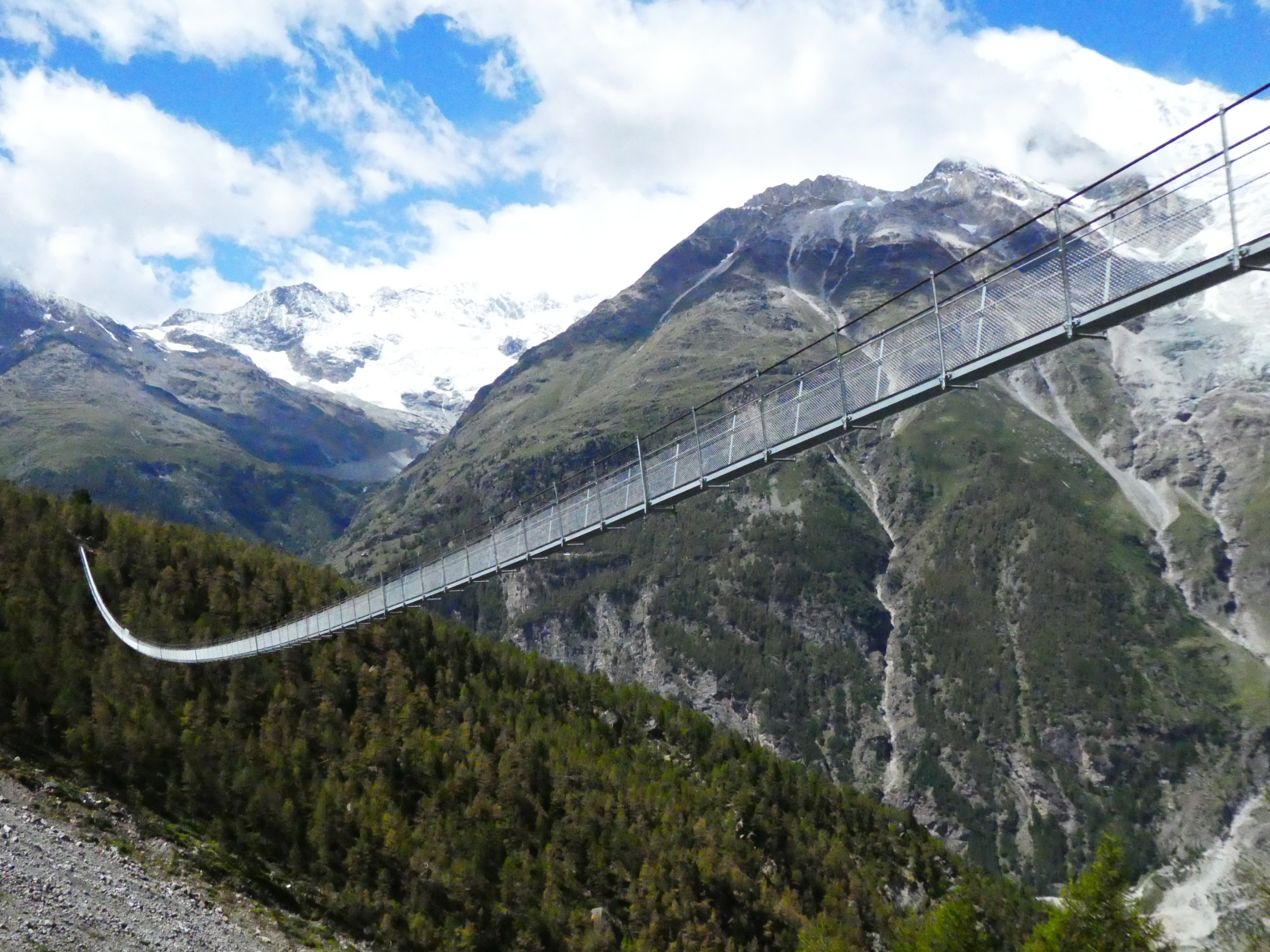 World's longest pedestrian suspension bridge opens - CNN Style