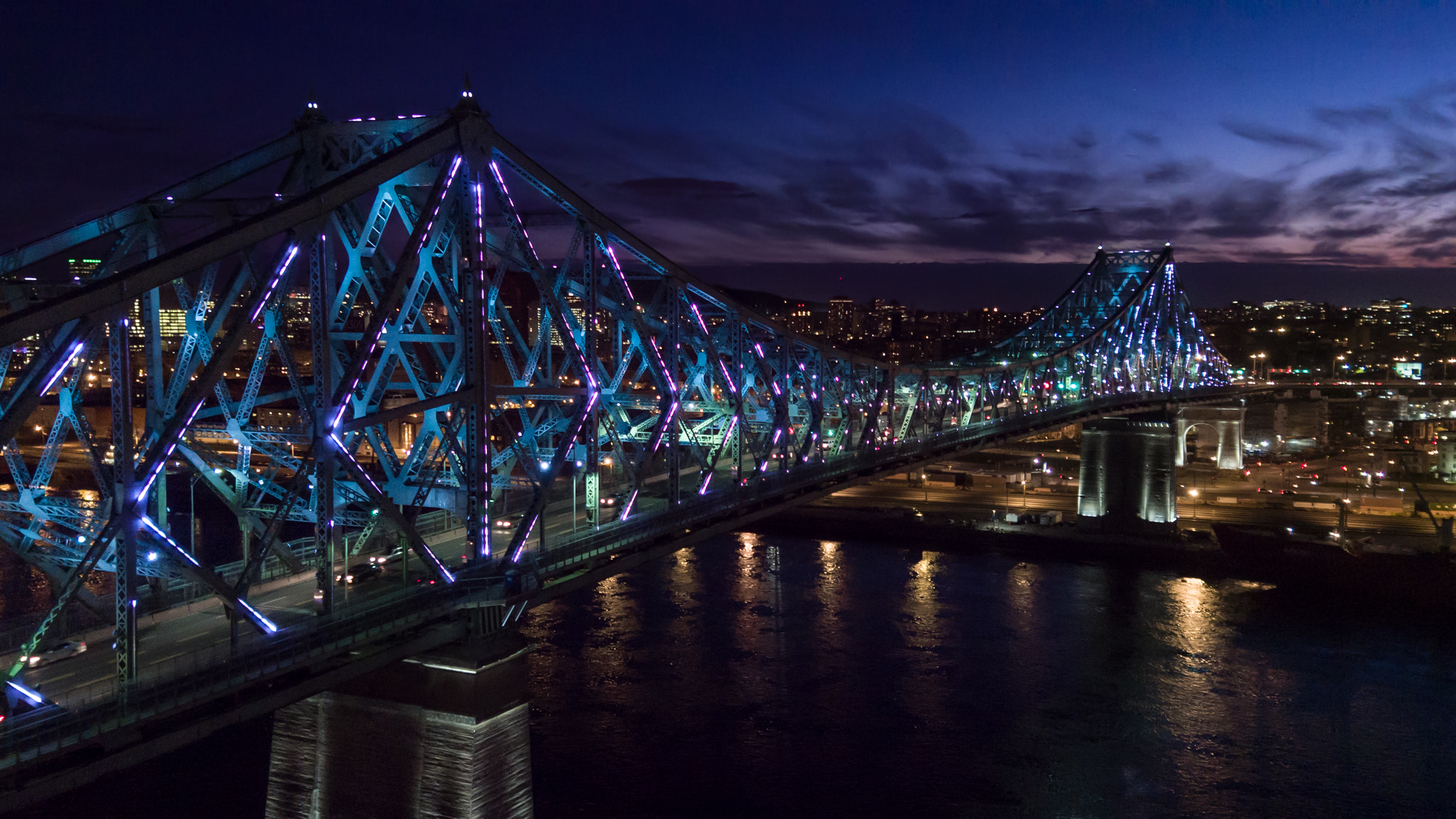 Jacques Cartier bridge lights | Moment Factory