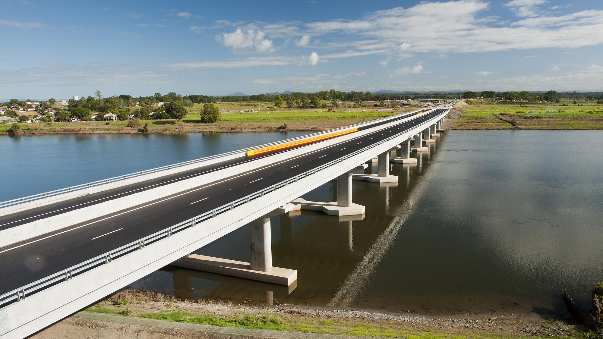 Innovative Design for Macleay River and Floodplain Bridge - Arup