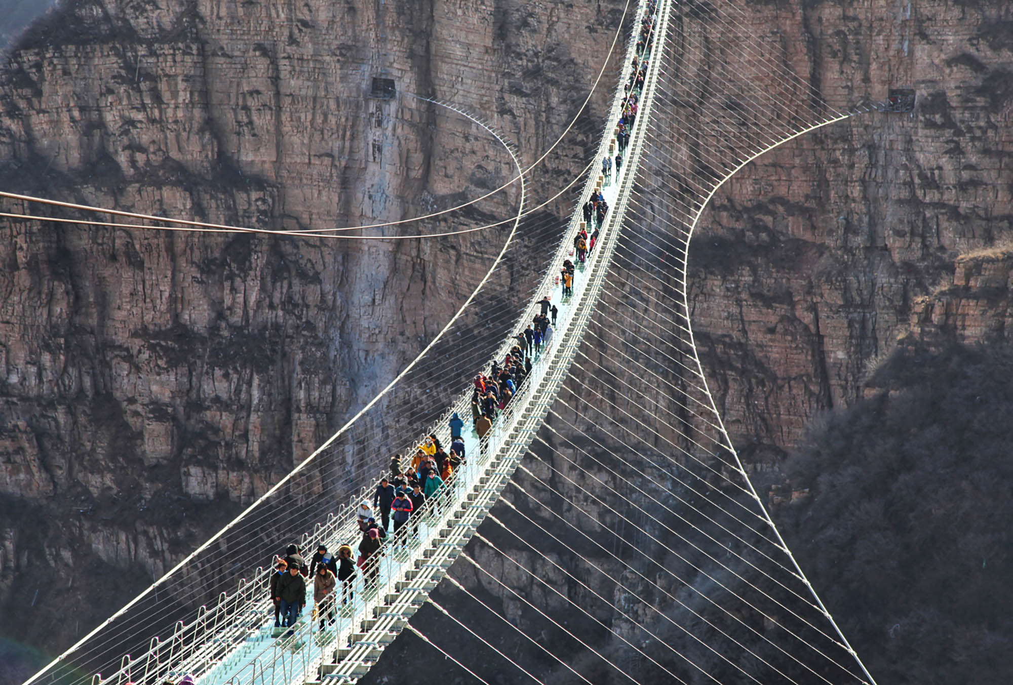 Hongyagu glass bridge, world's longest, opens in Hebei, China | CNN ...