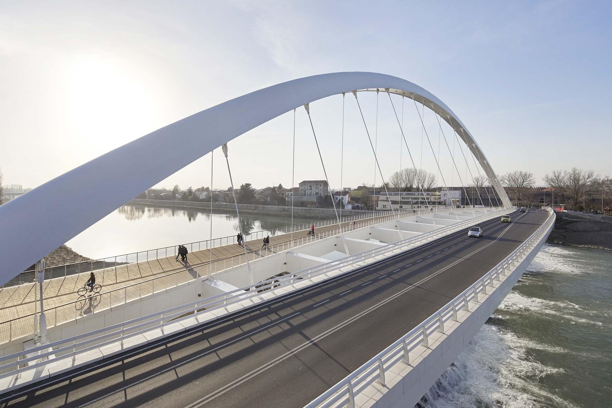 Cittadella Bridge / Richard Meier & Partners | ArchDaily