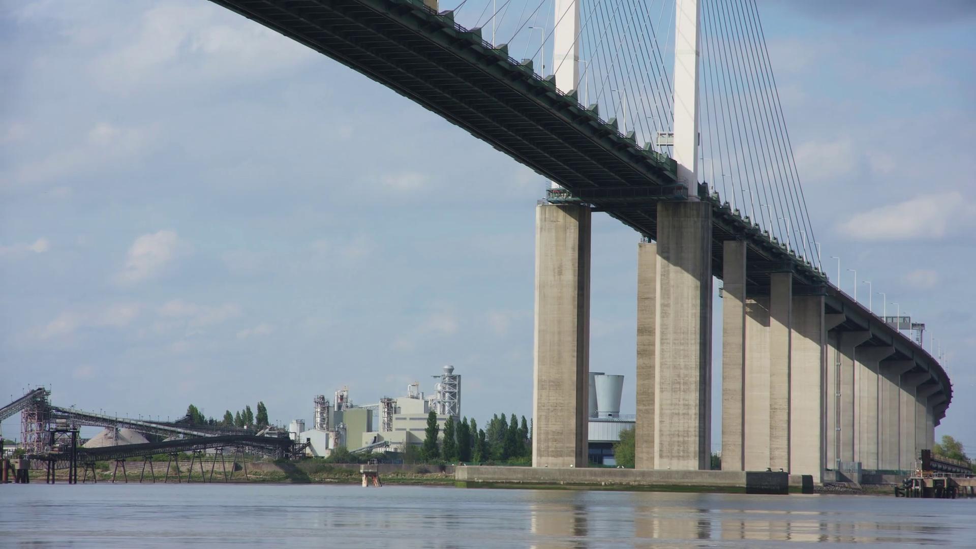 Bridge pillars photo