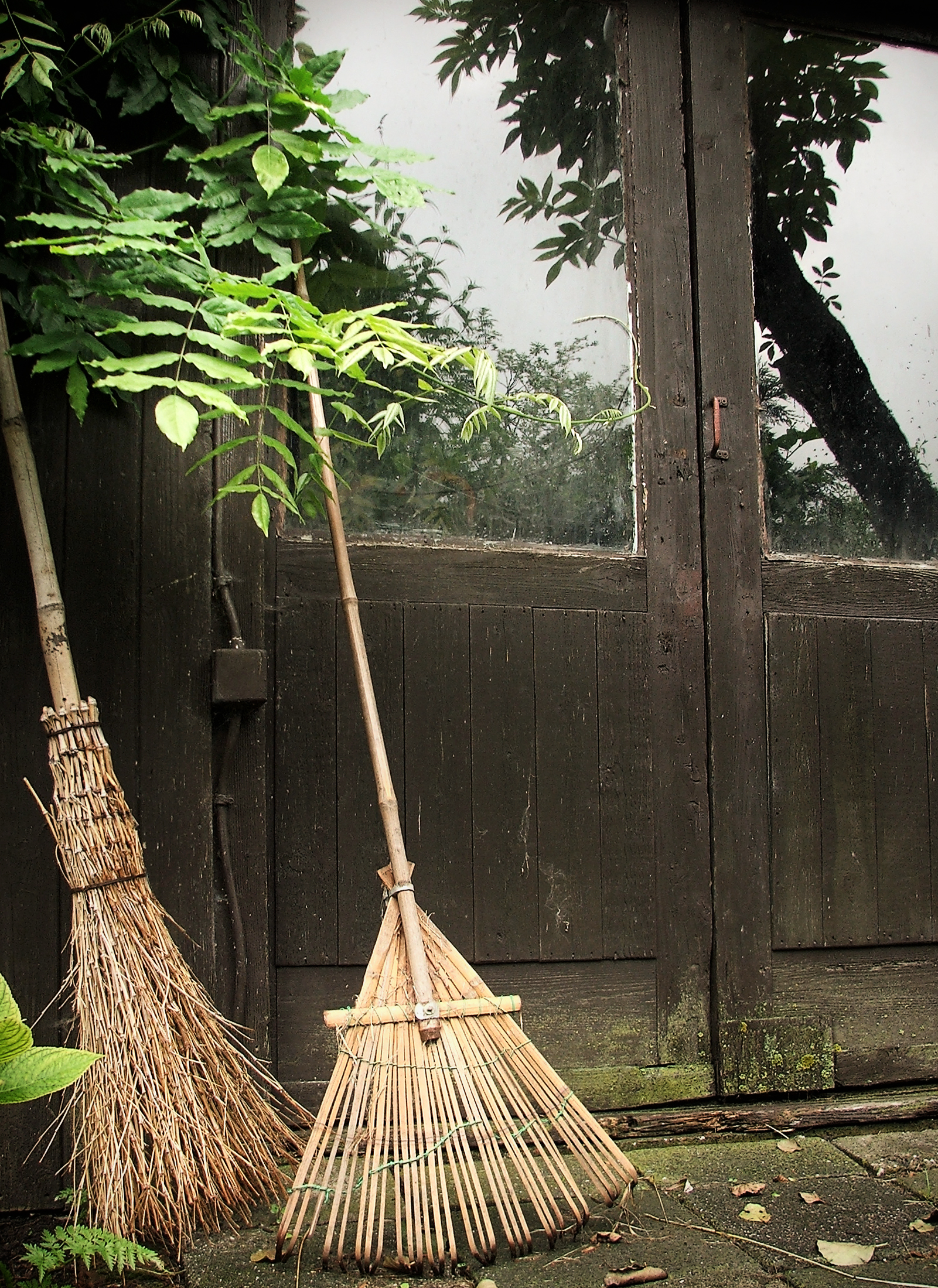 Broomsticks by a farm, Broom, Cleaning, Countryside, Doors, HQ Photo